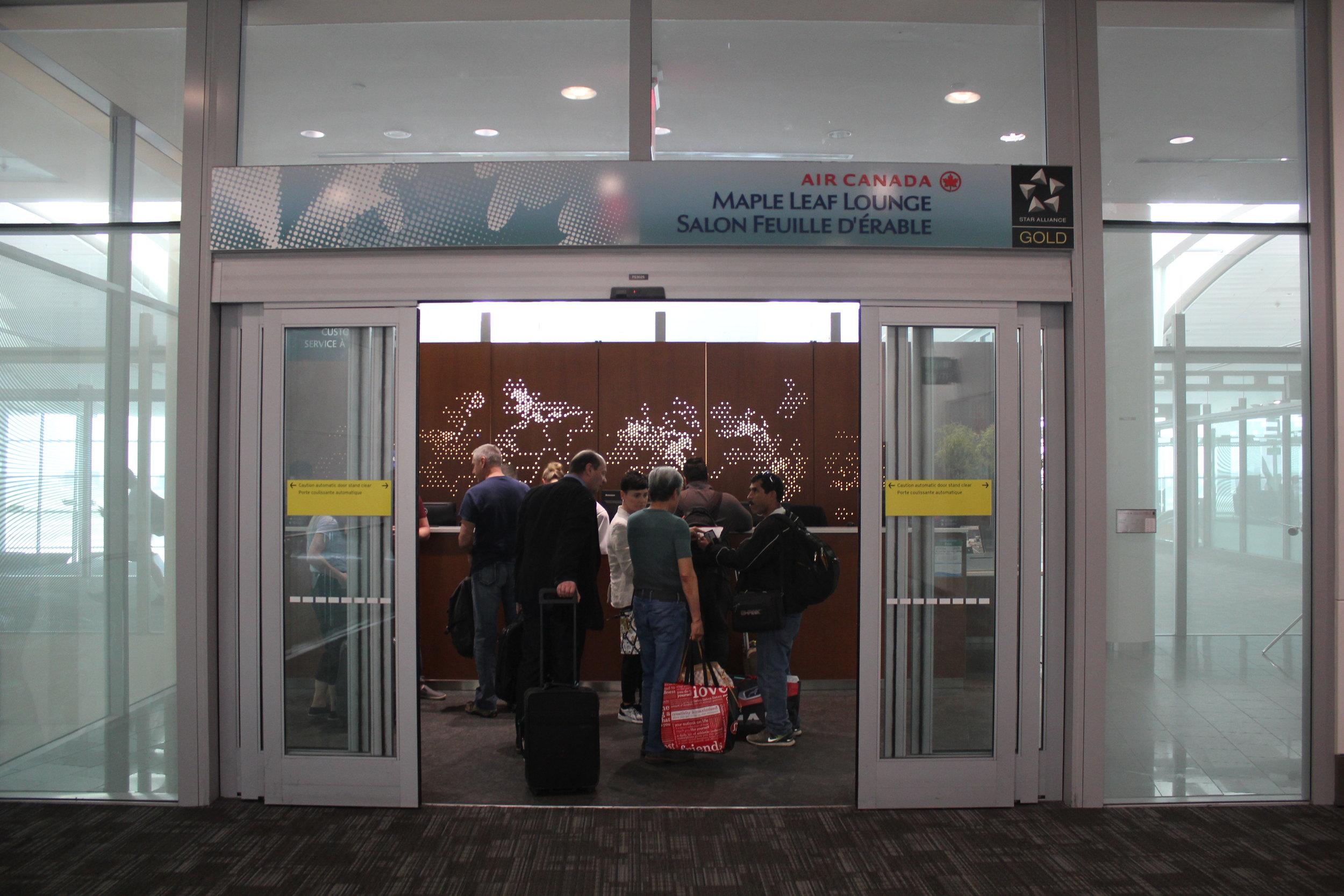 Air Canada Maple Leaf Lounge Toronto (International) – Entrance