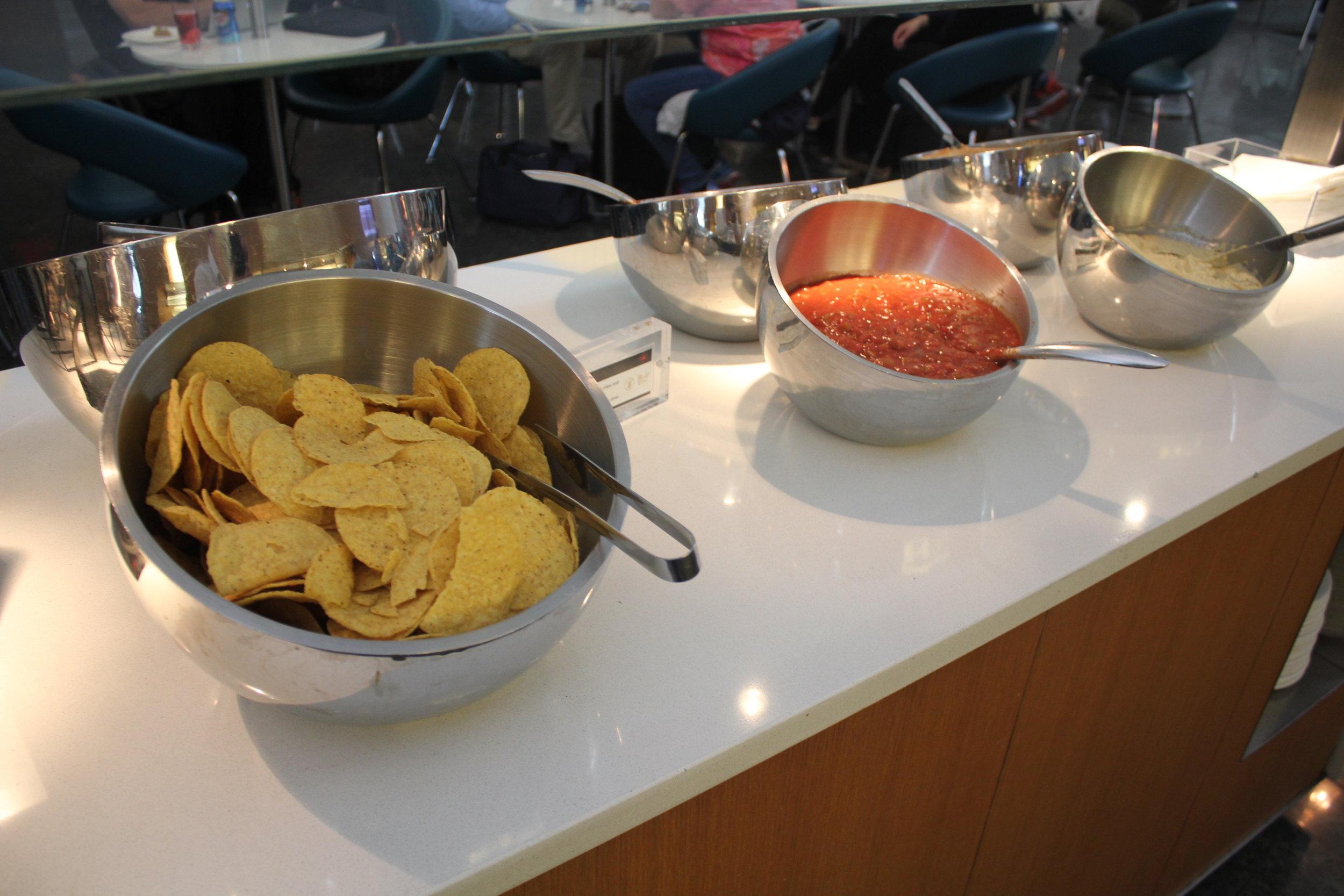 Air Canada Maple Leaf Lounge Toronto (International) – Tortilla chips