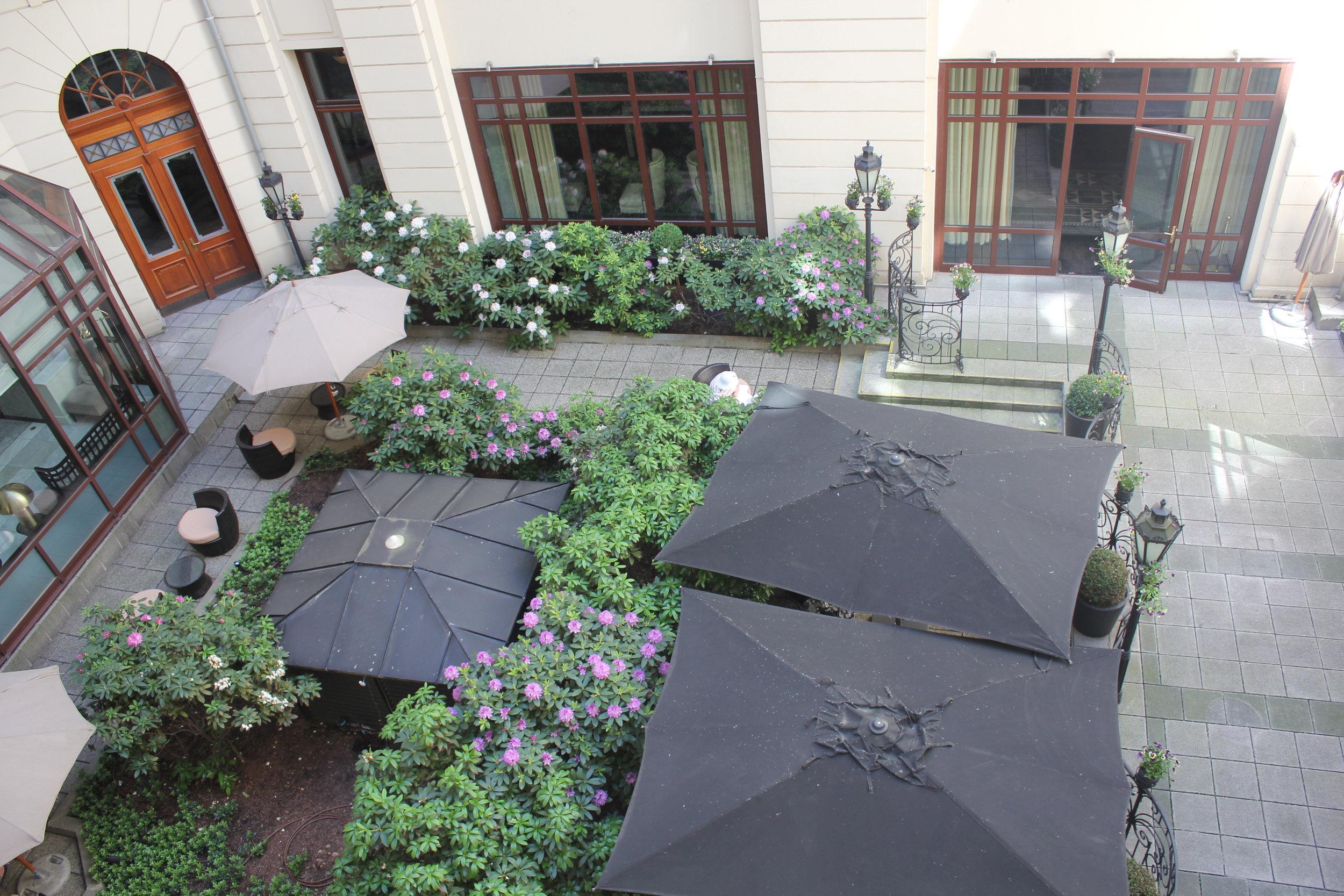 Hotel Bristol Warsaw – View of courtyard