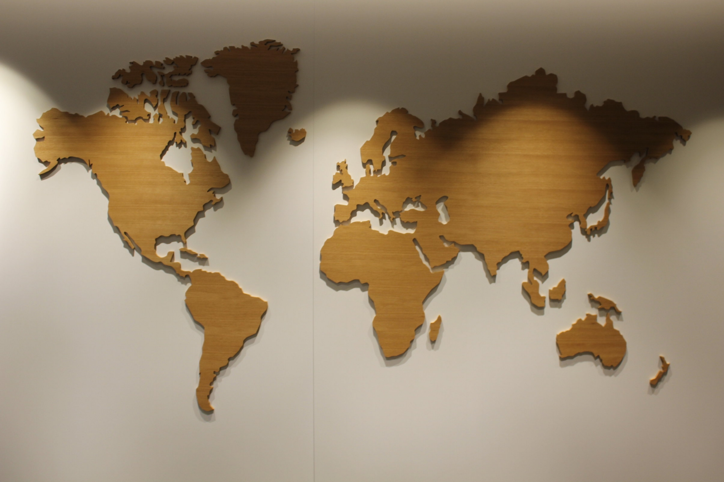 Swiss Senator Lounge Zurich – World map