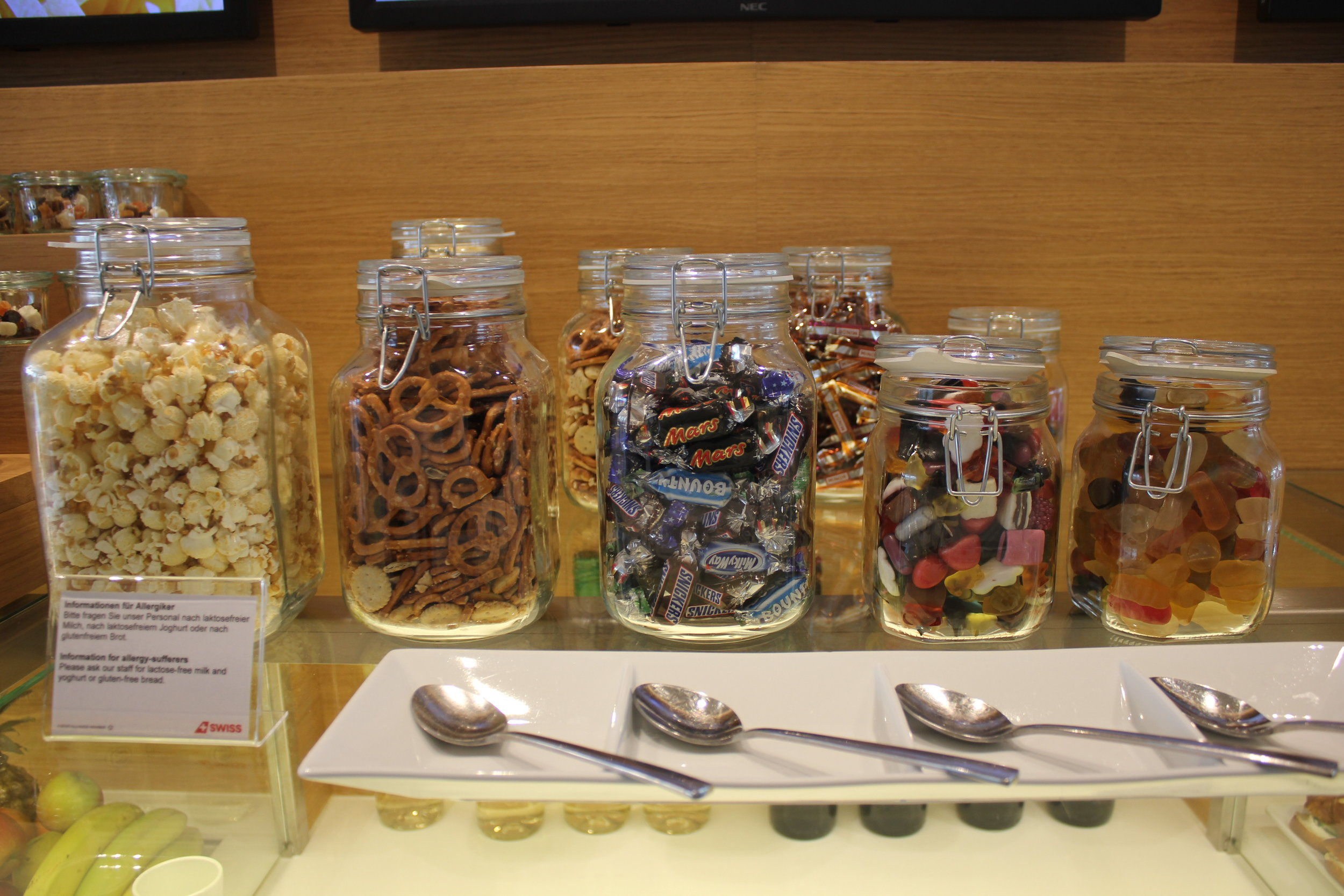 Swiss Senator Lounge Zurich – Snacks