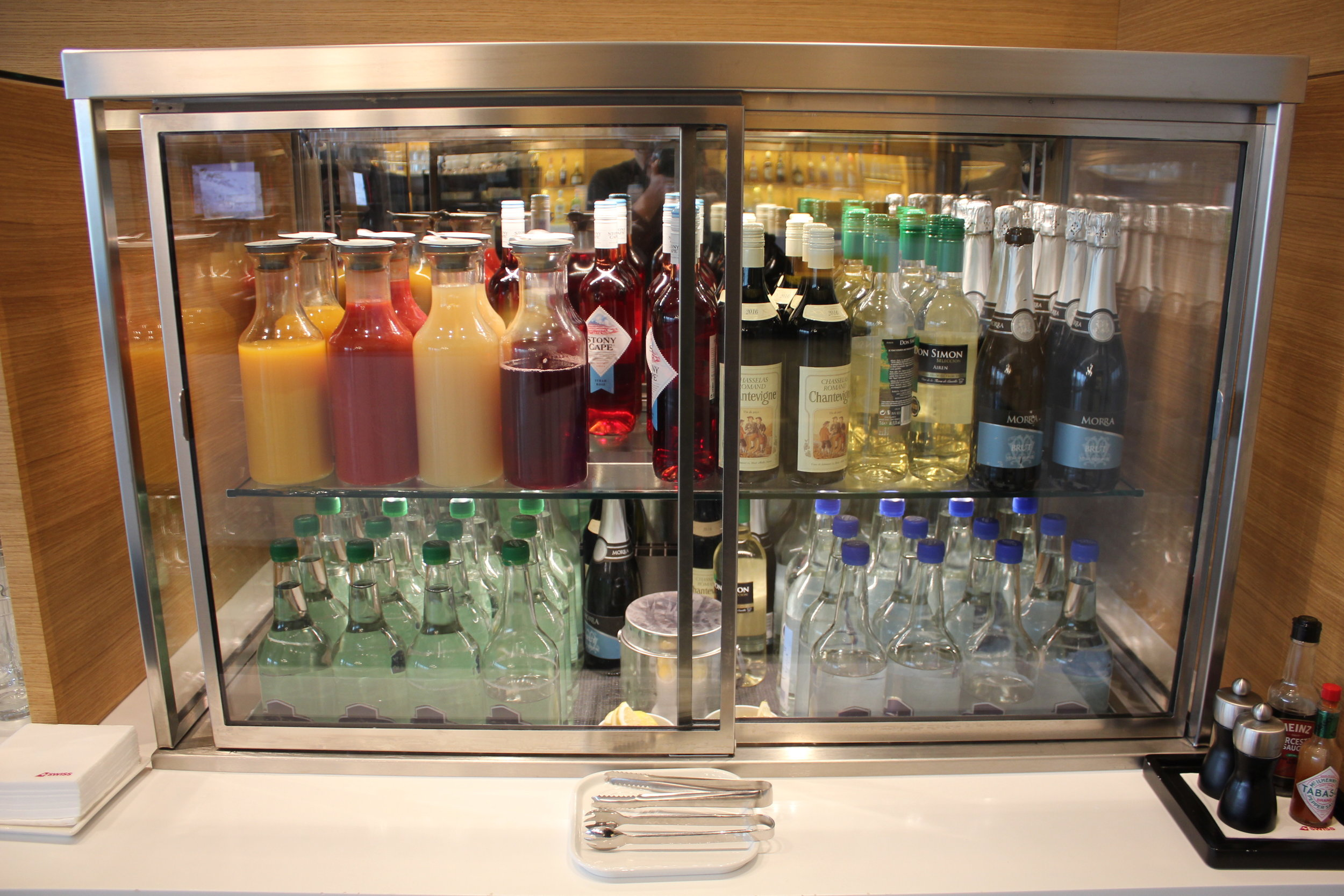 Swiss Senator Lounge Zurich – Drinks