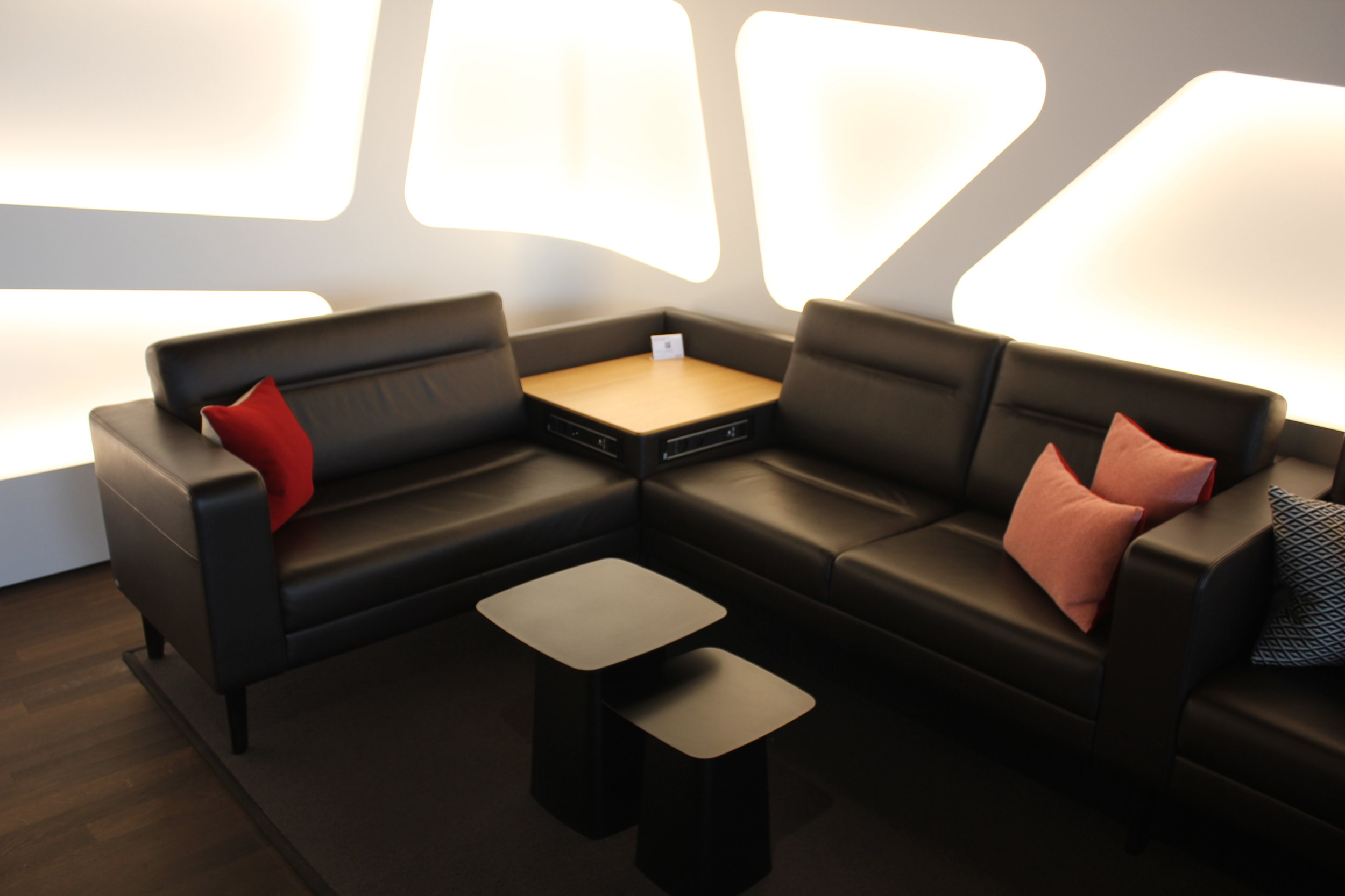 Swiss Senator Lounge Zurich – Whisky Club couch