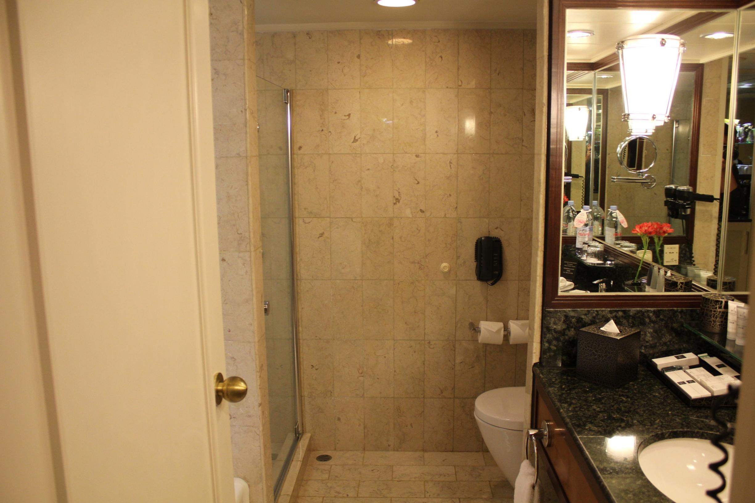 JW Marriott Hong Kong – Bathroom