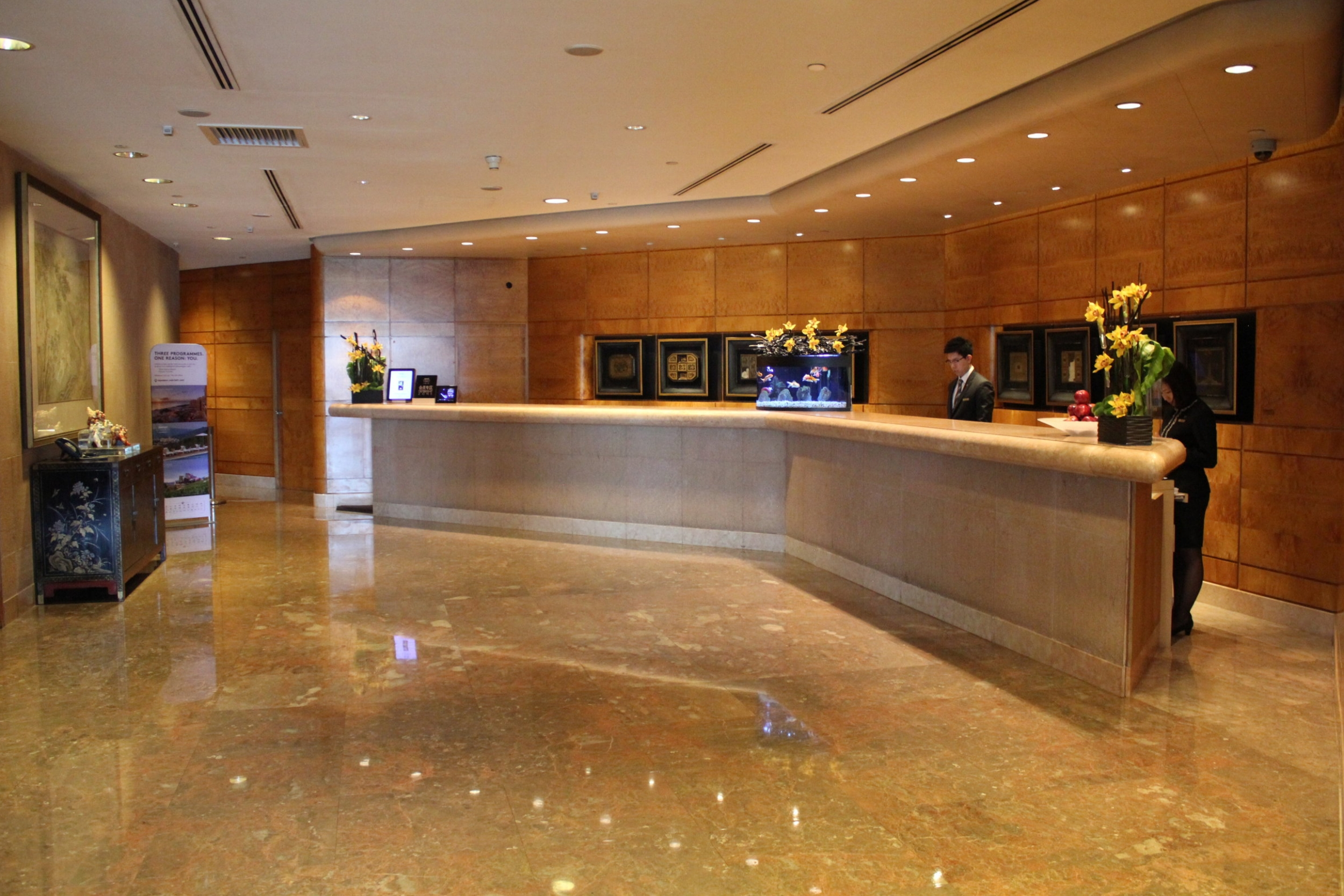 JW Marriott Hong Kong – Check-in counters