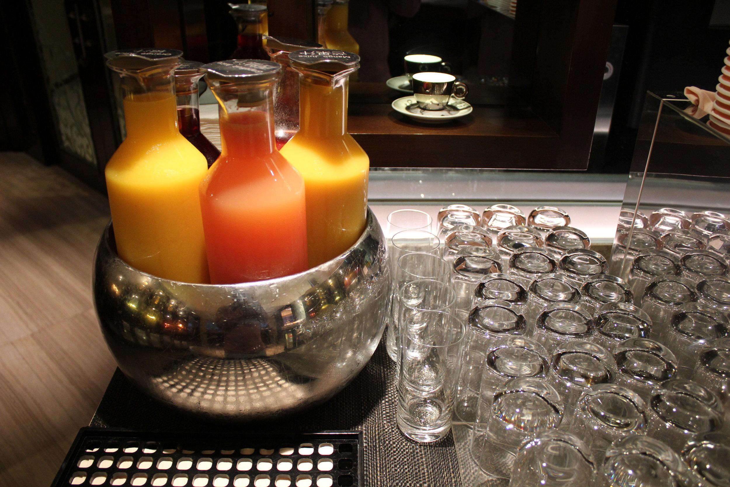 JW Marriott Hong Kong – Executive Lounge breakfast spread