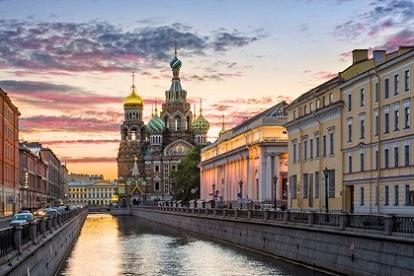 St. Petersburg Neva River   Prince of Travel   Travel Talk