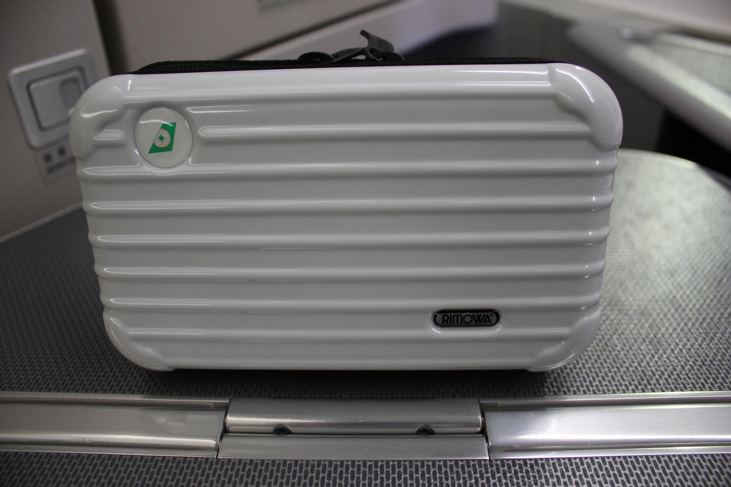EVA Air business class – Rimowa amenity kit