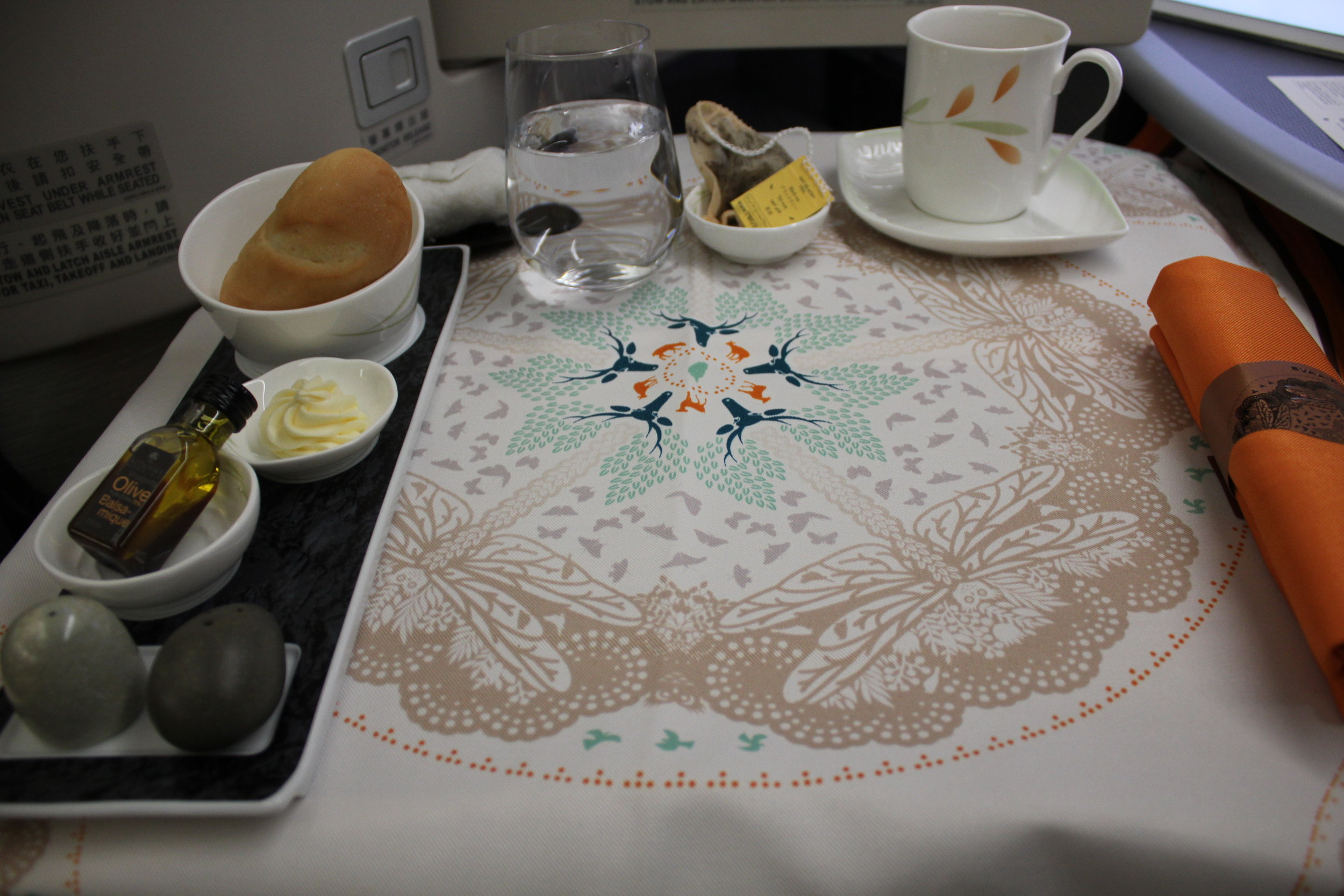 EVA Air business class – Setting the table