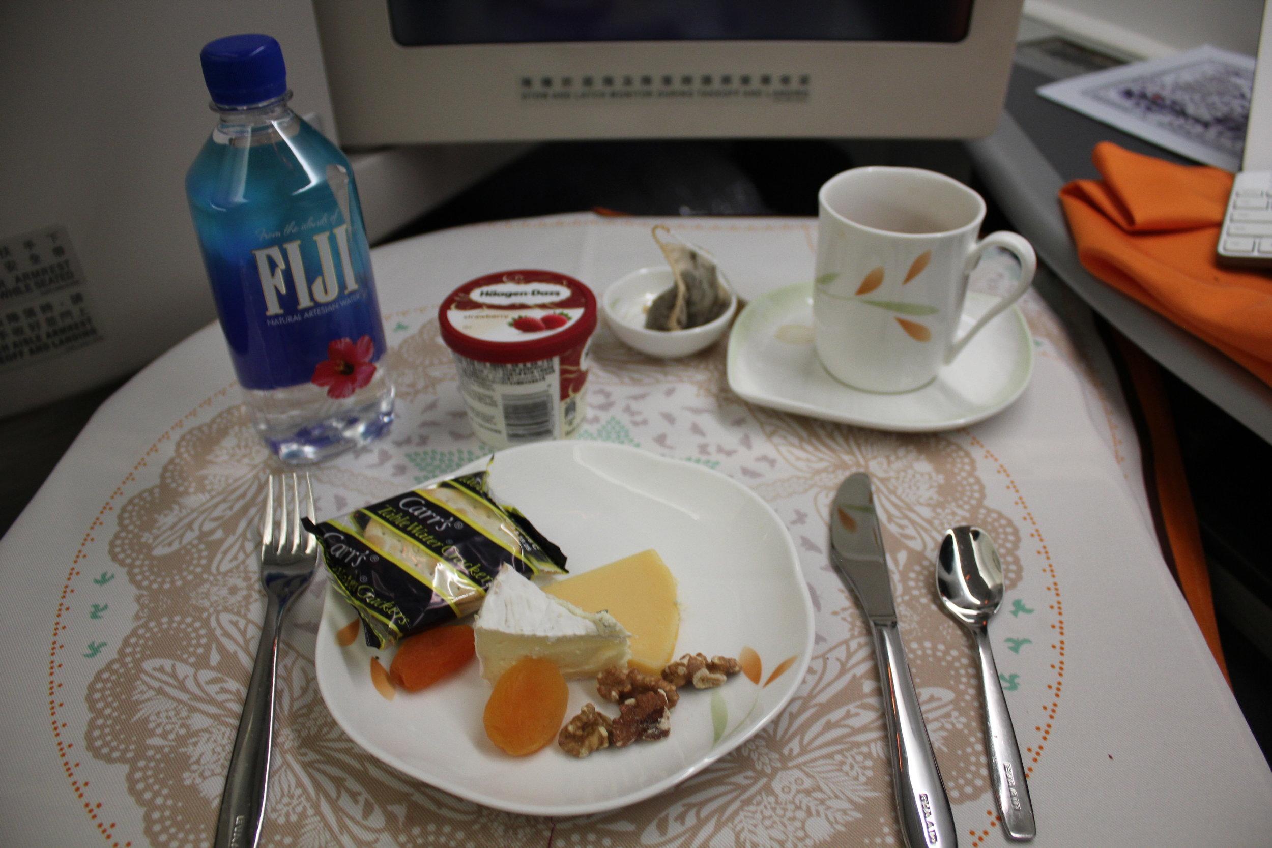 EVA Air business class – Cheese plate and dessert