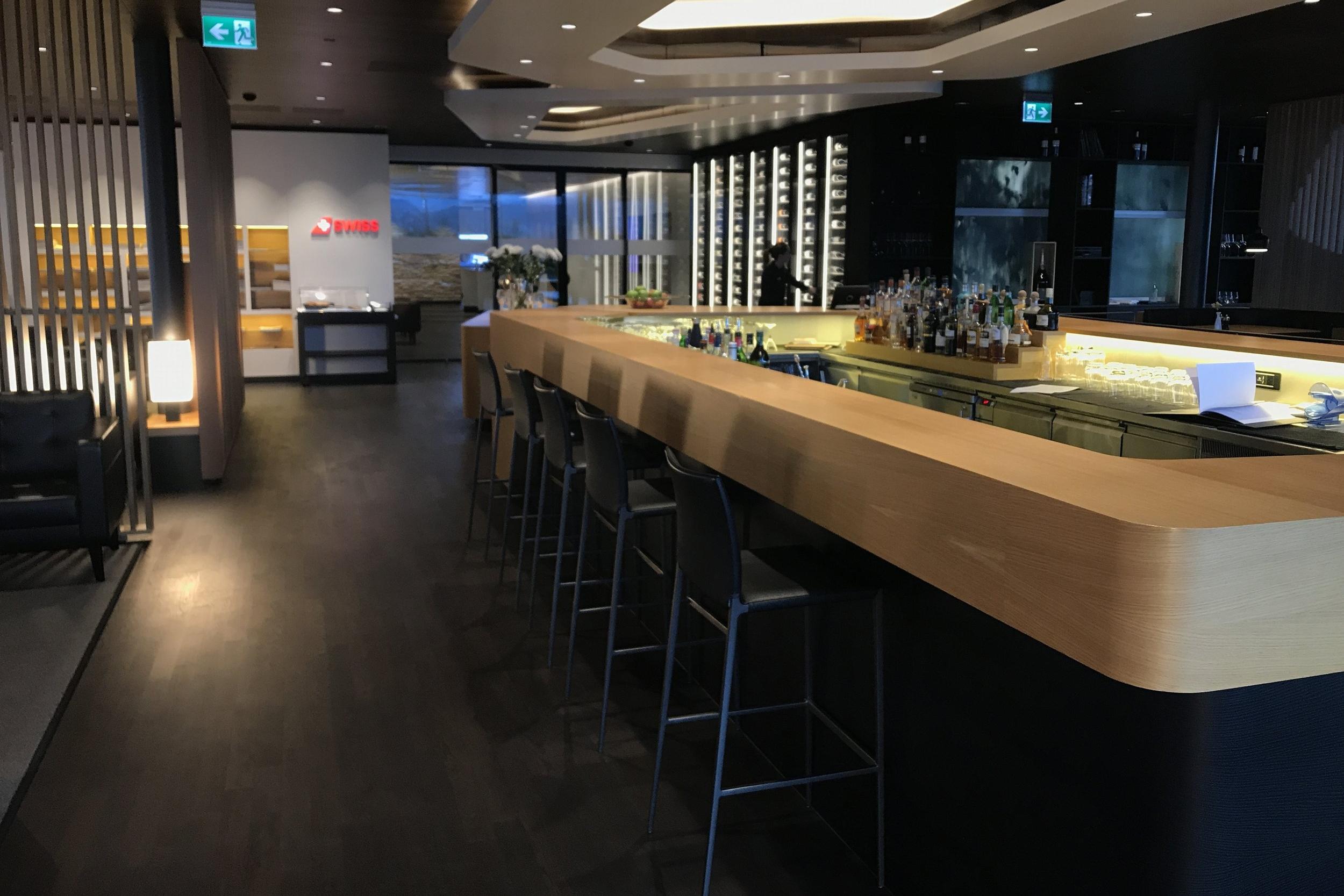 Swiss First Class Lounge Zurich – Liquor selection