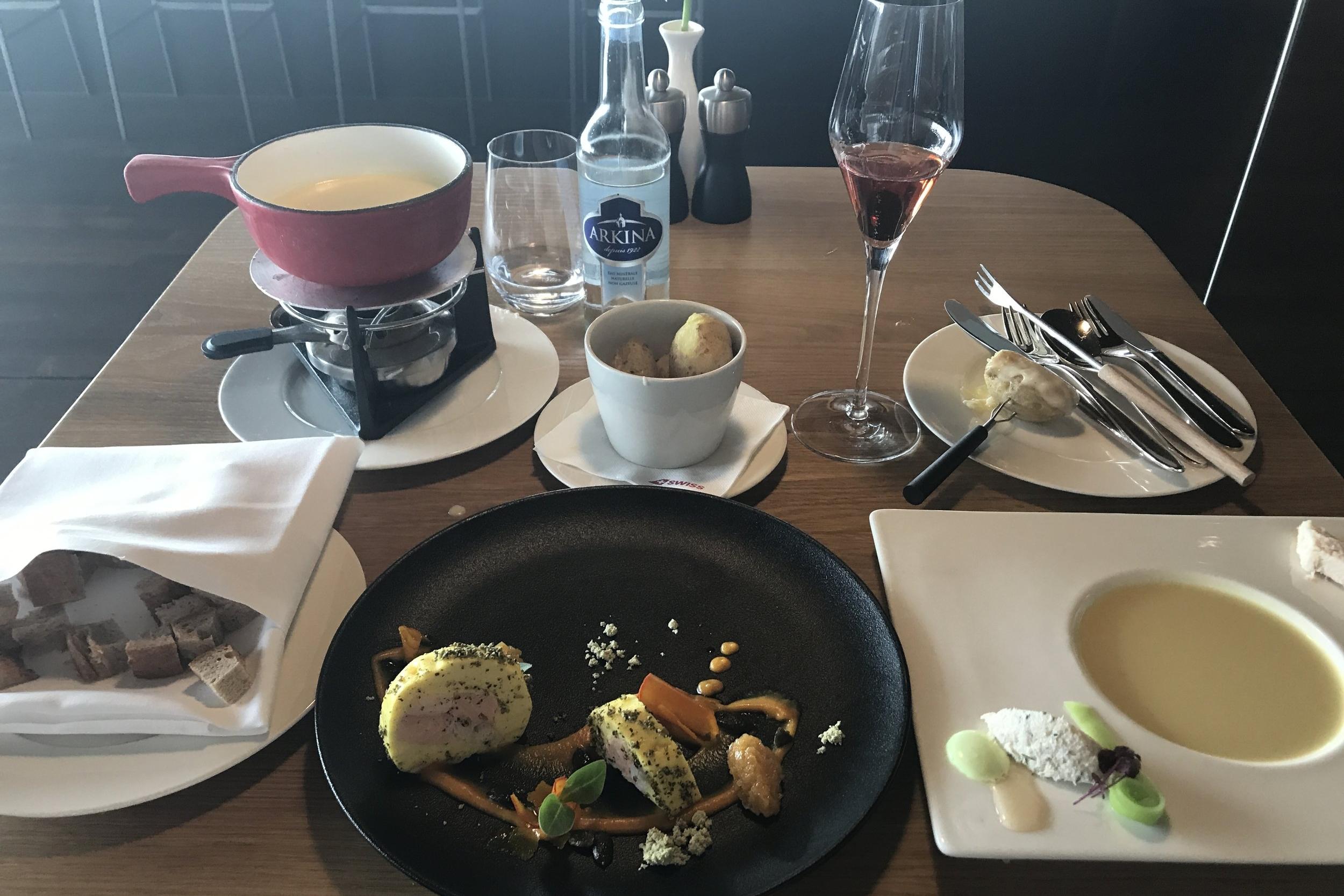 Swiss First Class Lounge Zurich – Lunch