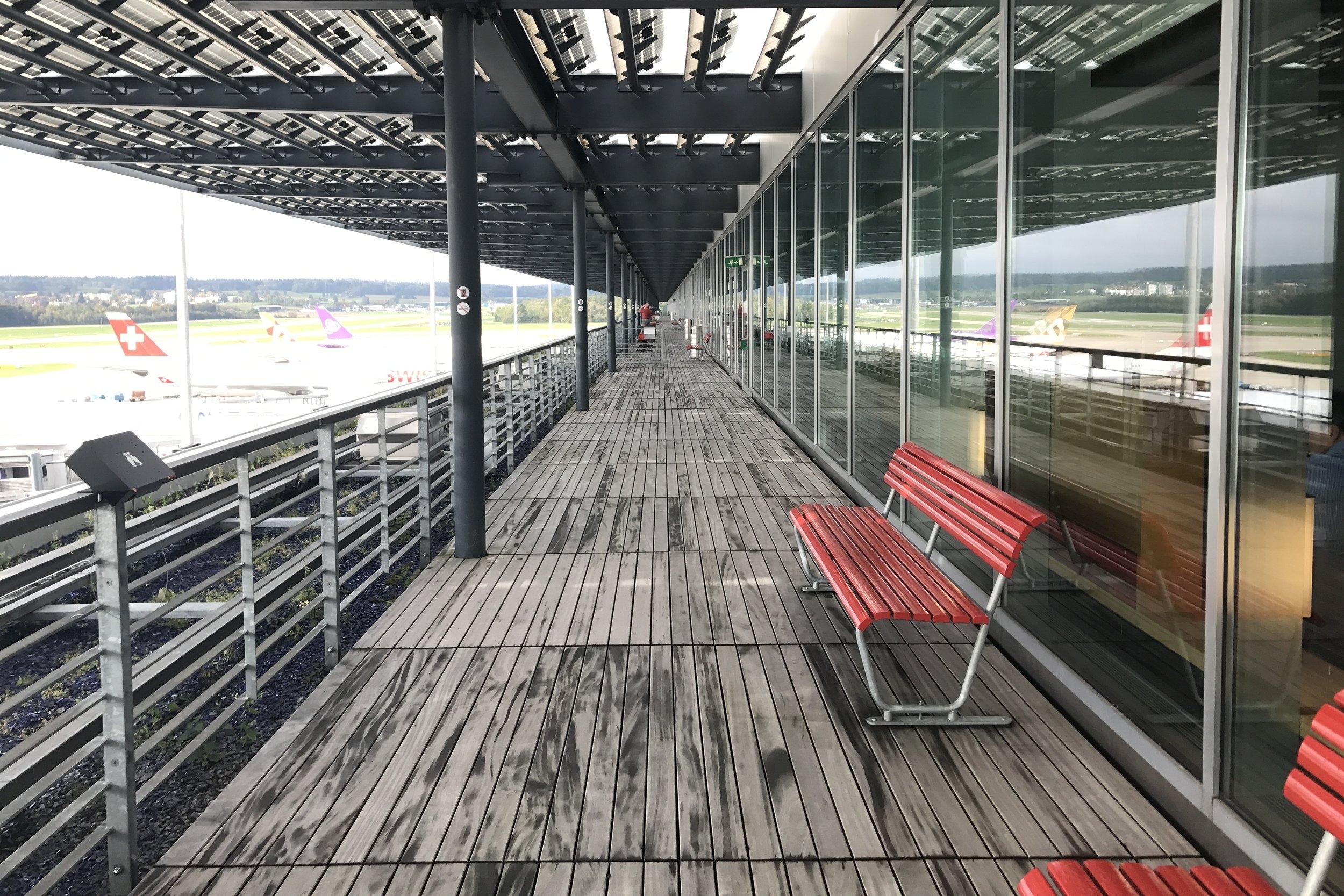 Swiss First Class Lounge Zurich – Terrace