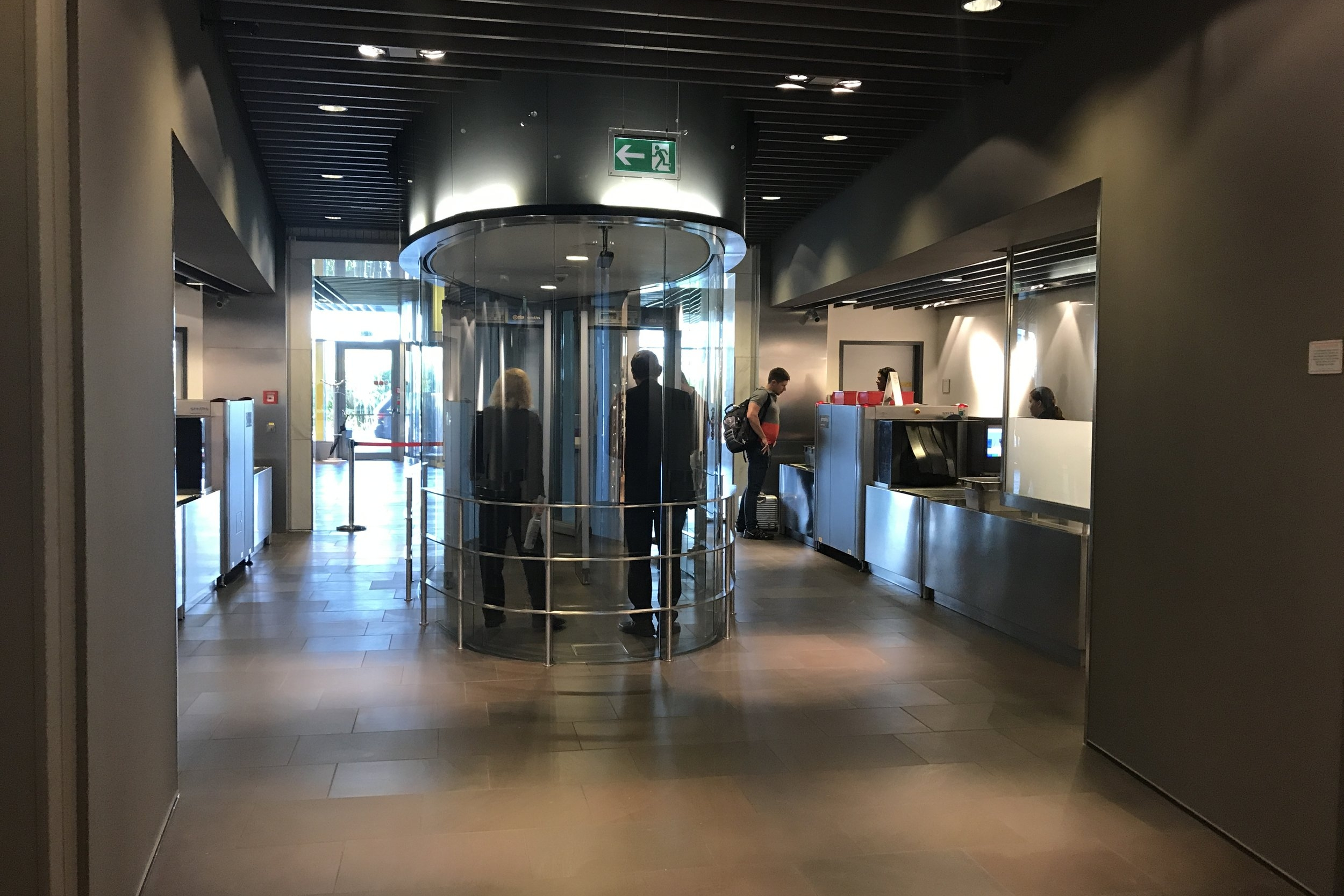 Lufthansa First Class Terminal Frankfurt – Security checkpoint