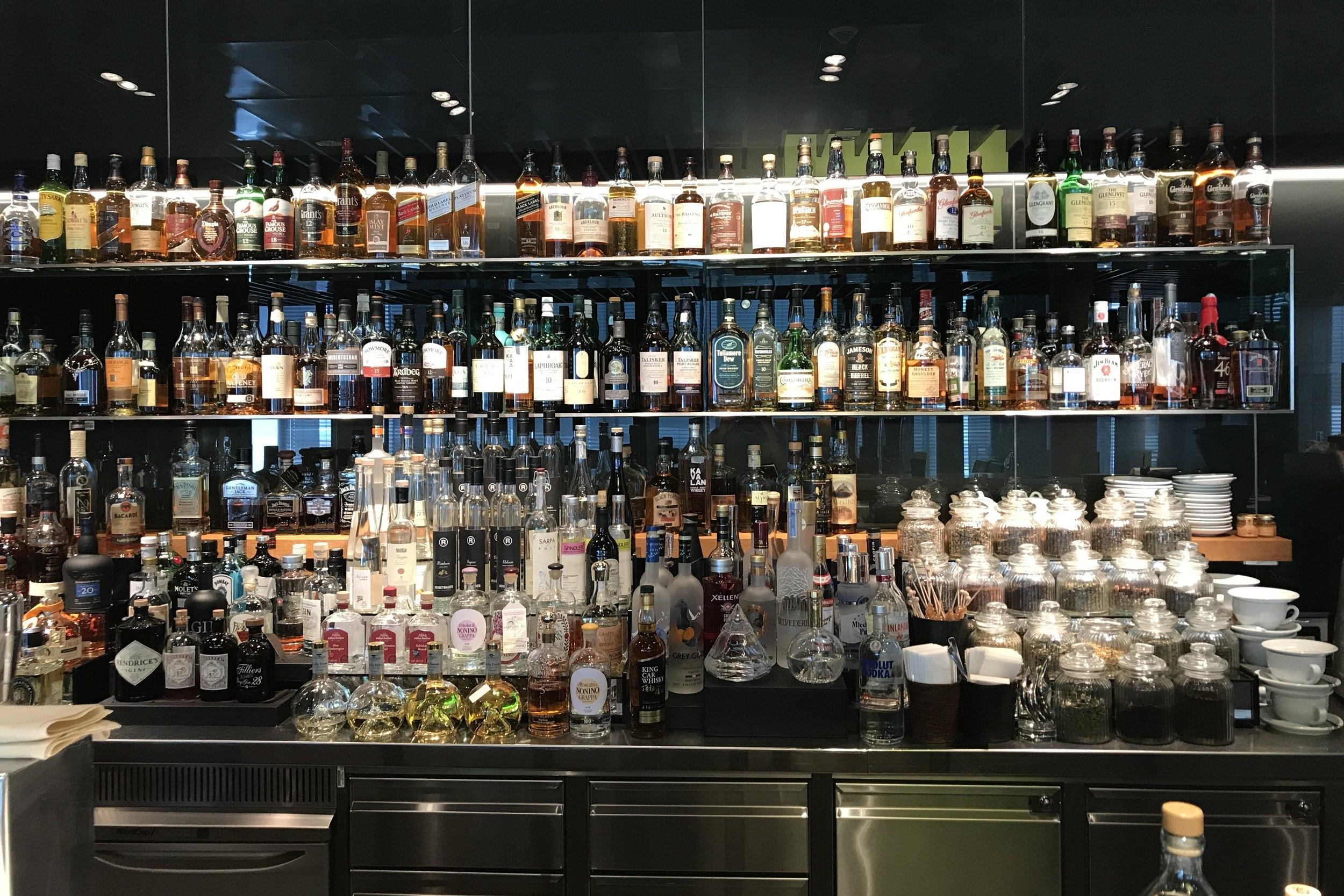 Lufthansa First Class Terminal Frankfurt – Alcohol selection