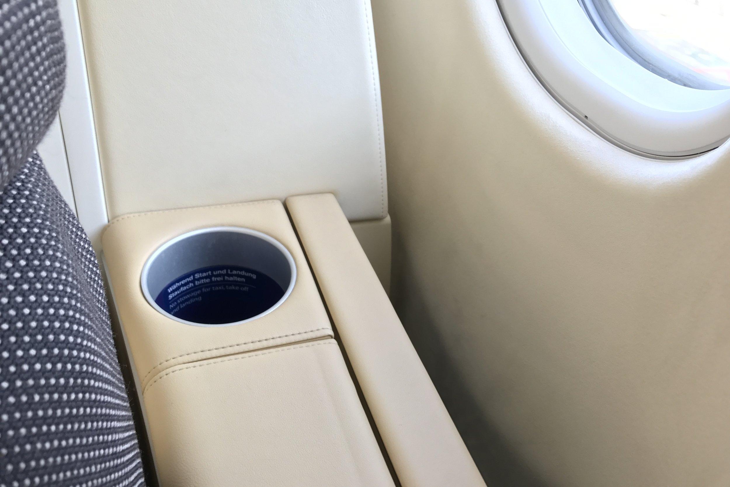 Lufthansa First Class – Bottle holder