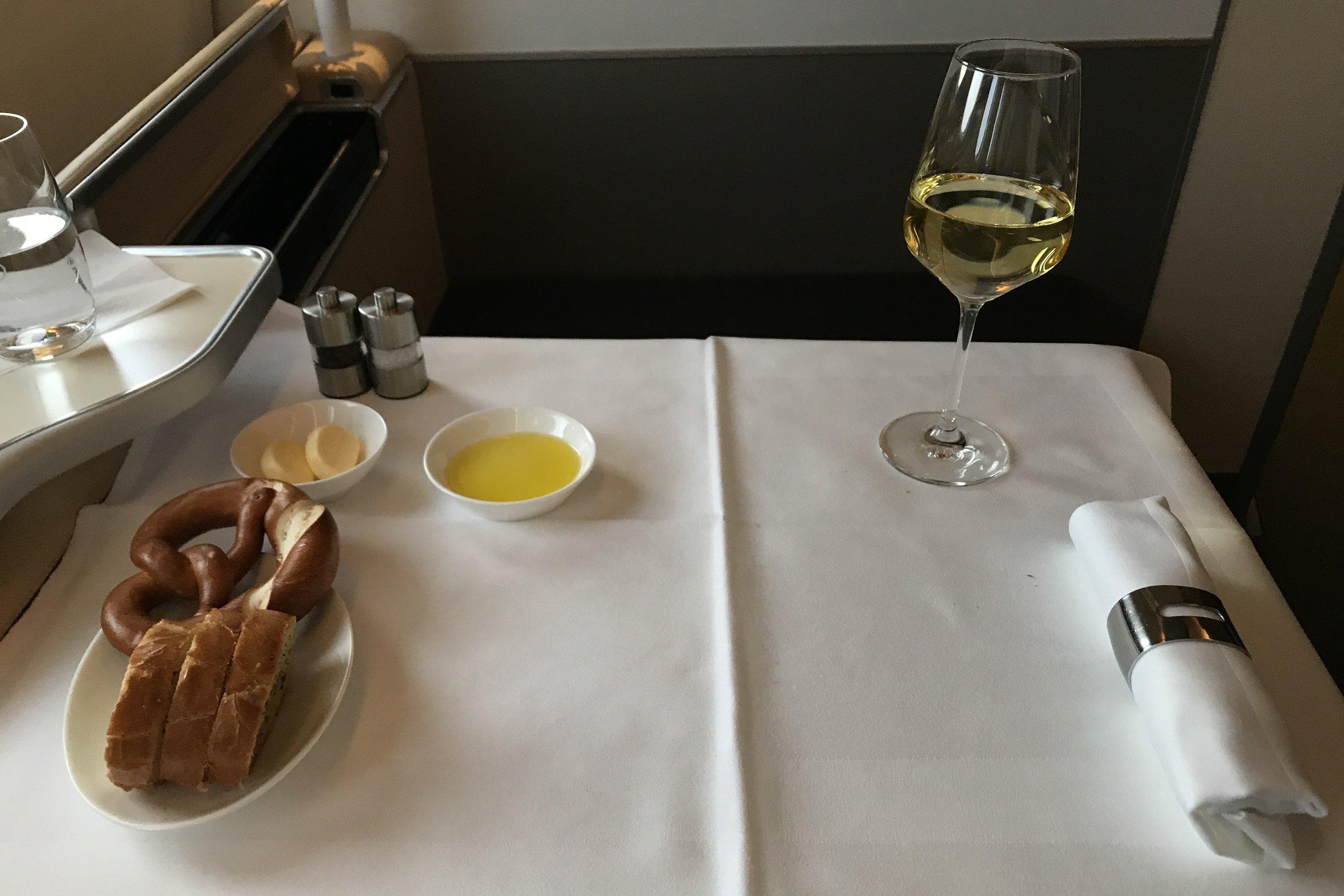 Lufthansa First Class – Dinner service