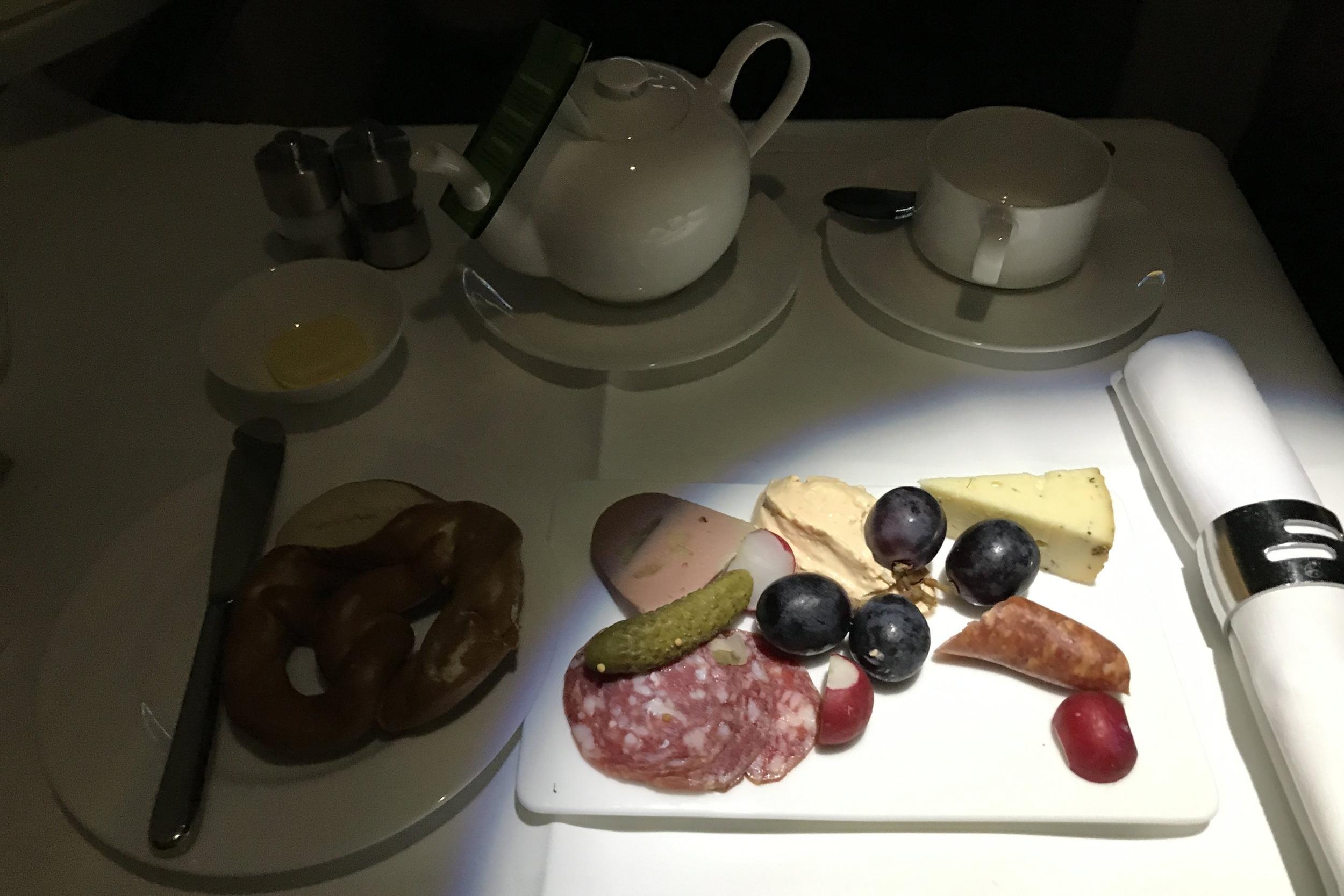 Lufthansa First Class – Breakfast