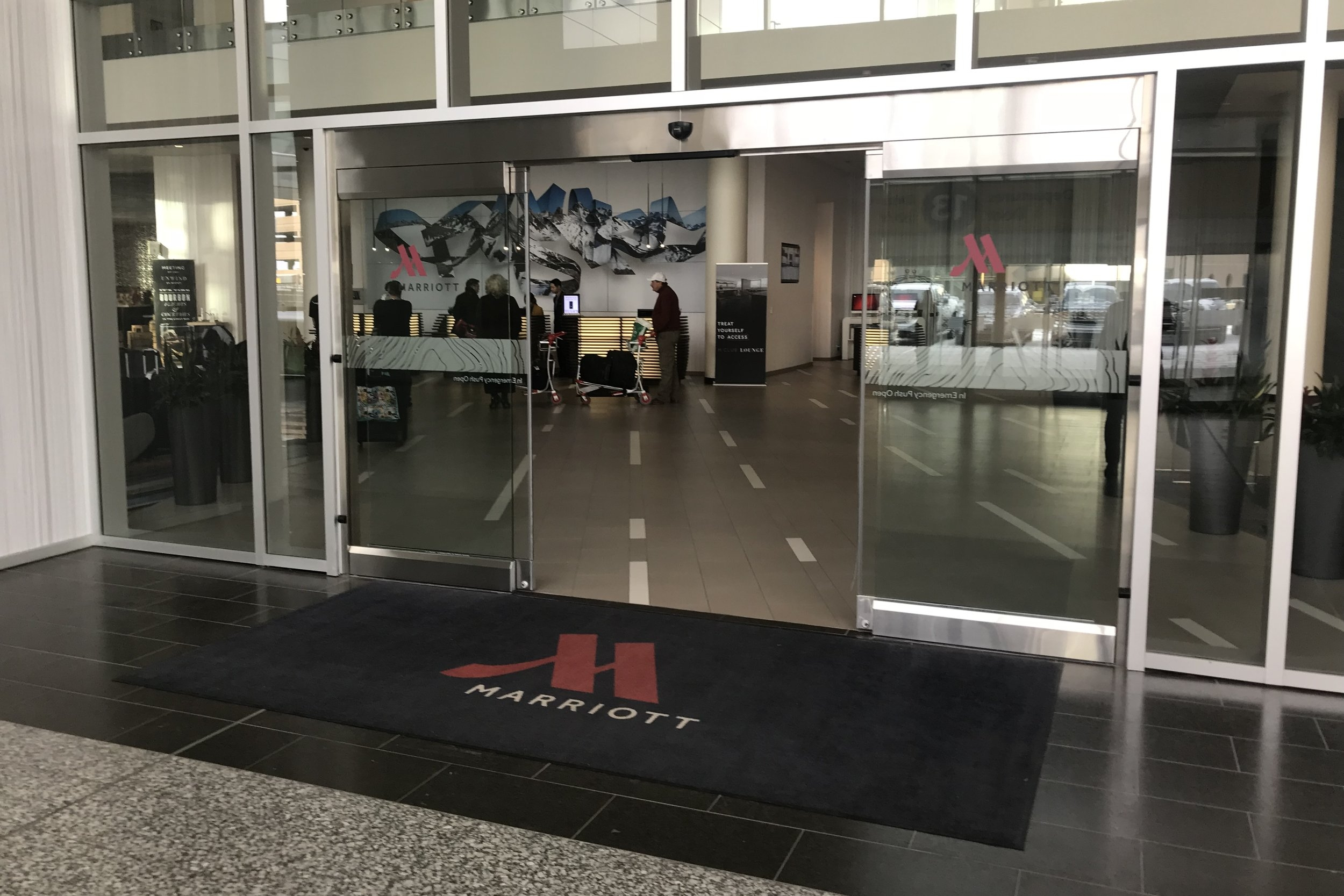Marriott In-Terminal Hotel Calgary Airport – Entrance