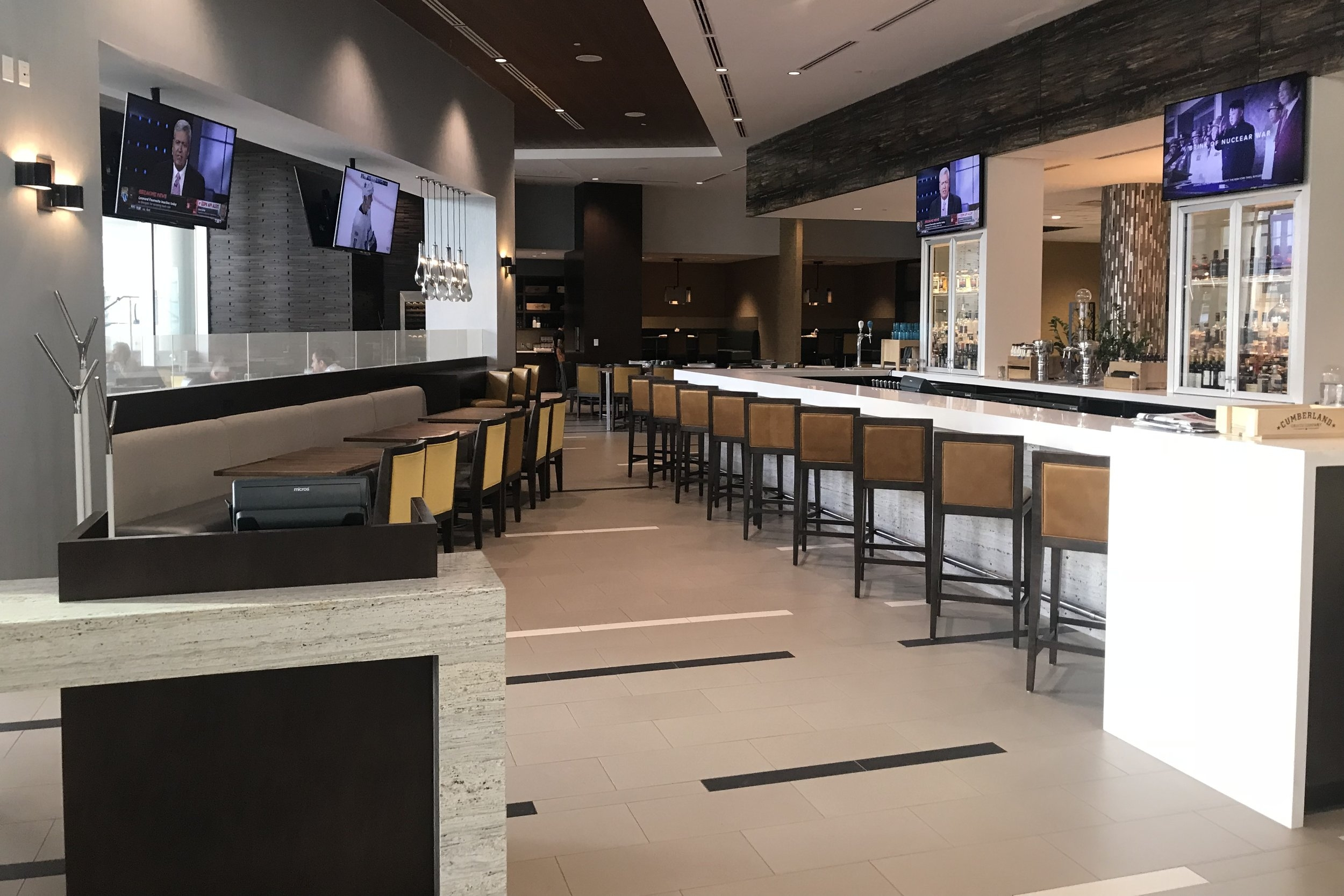 Marriott In-Terminal Hotel Calgary Airport – Restaurant