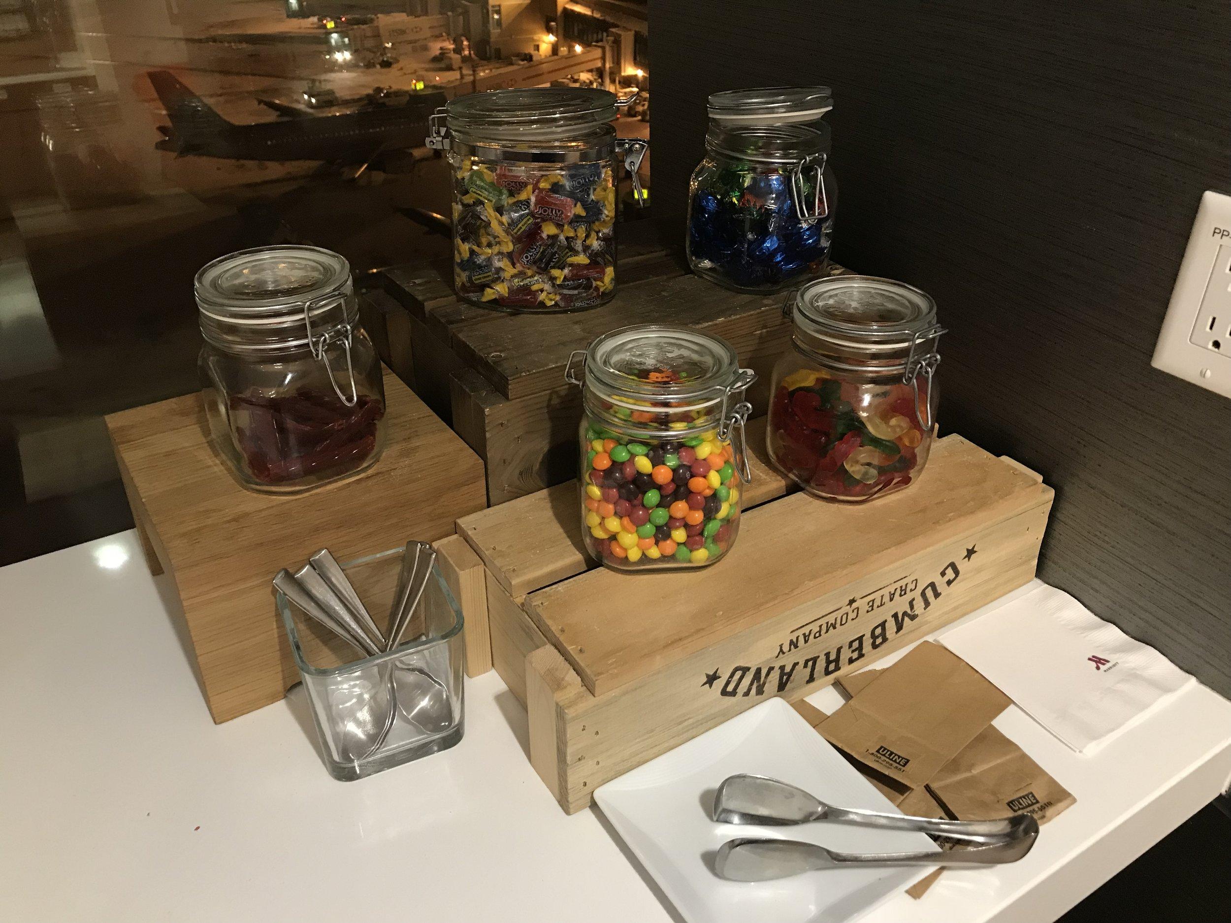 Marriott In-Terminal Hotel Calgary Airport – Snacks