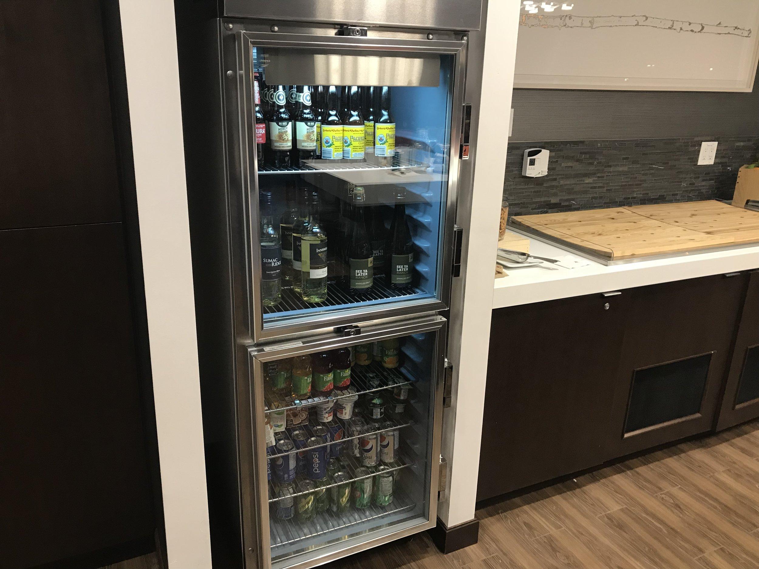 Marriott In-Terminal Hotel Calgary Airport – Drinks