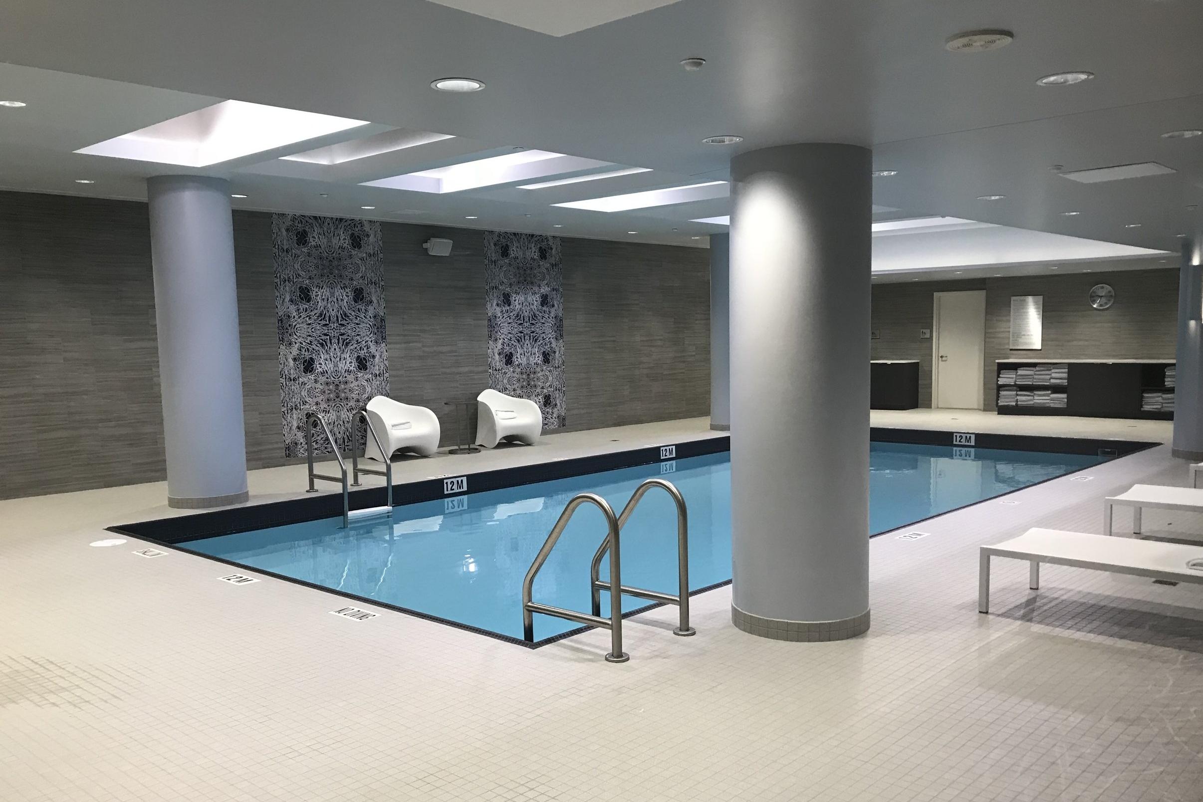 Marriott In-Terminal Hotel Calgary Airport – Swimming pool