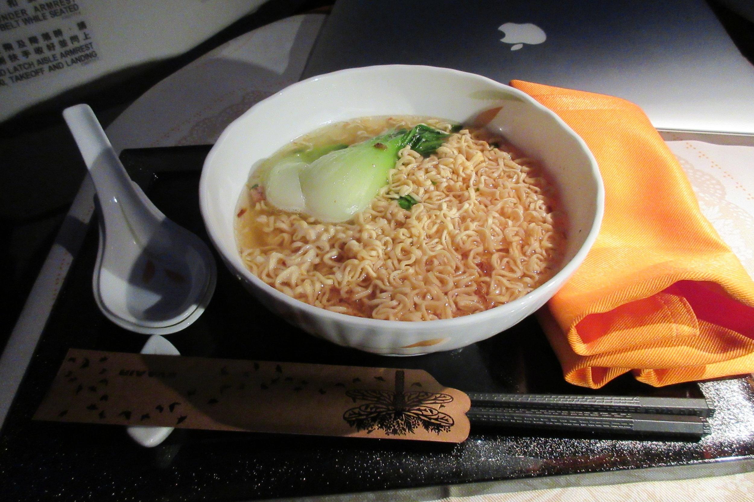 EVA Air business class Toronto to Taipei – Instant noodles