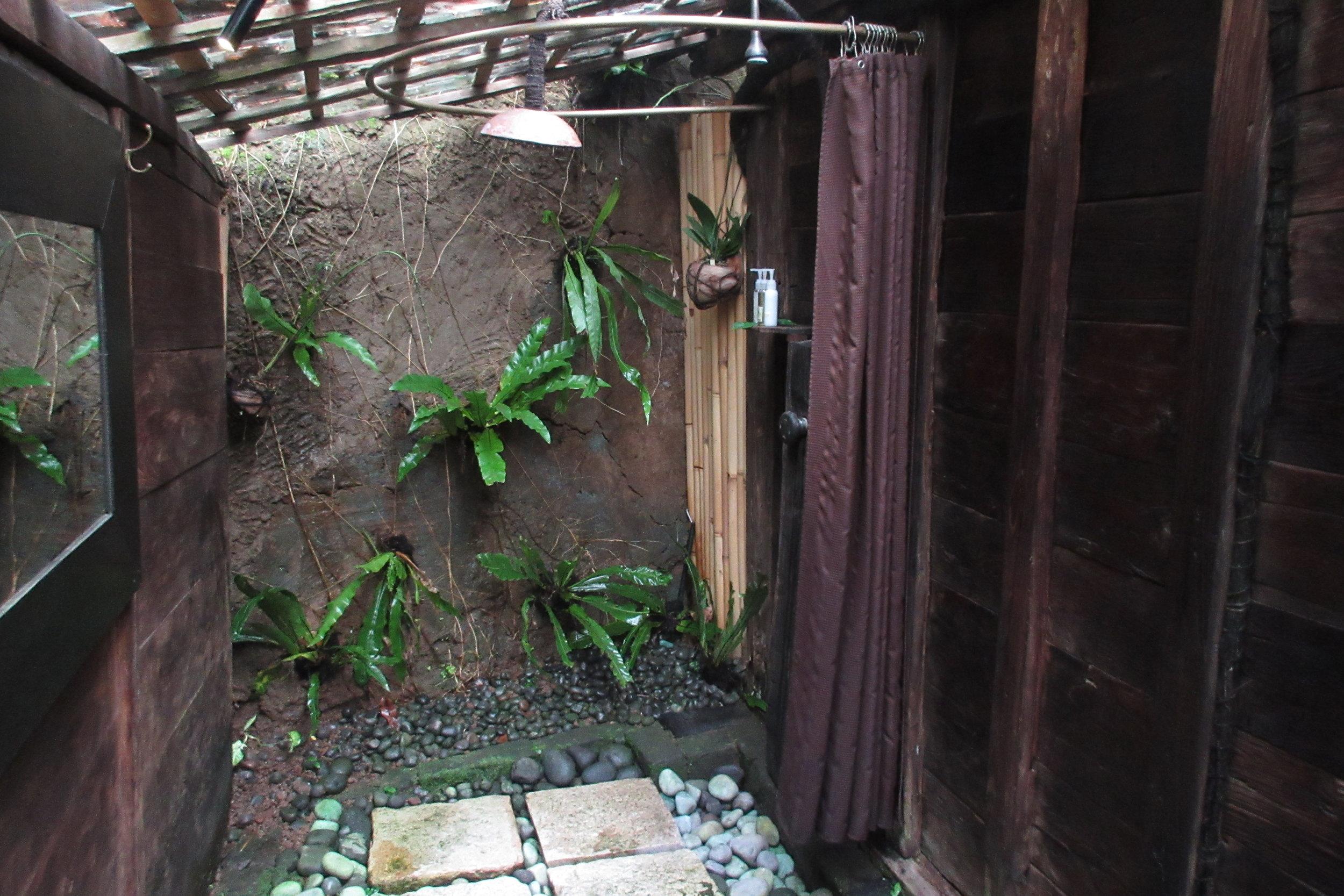 Bambu Indah Ubud – Udang House shower