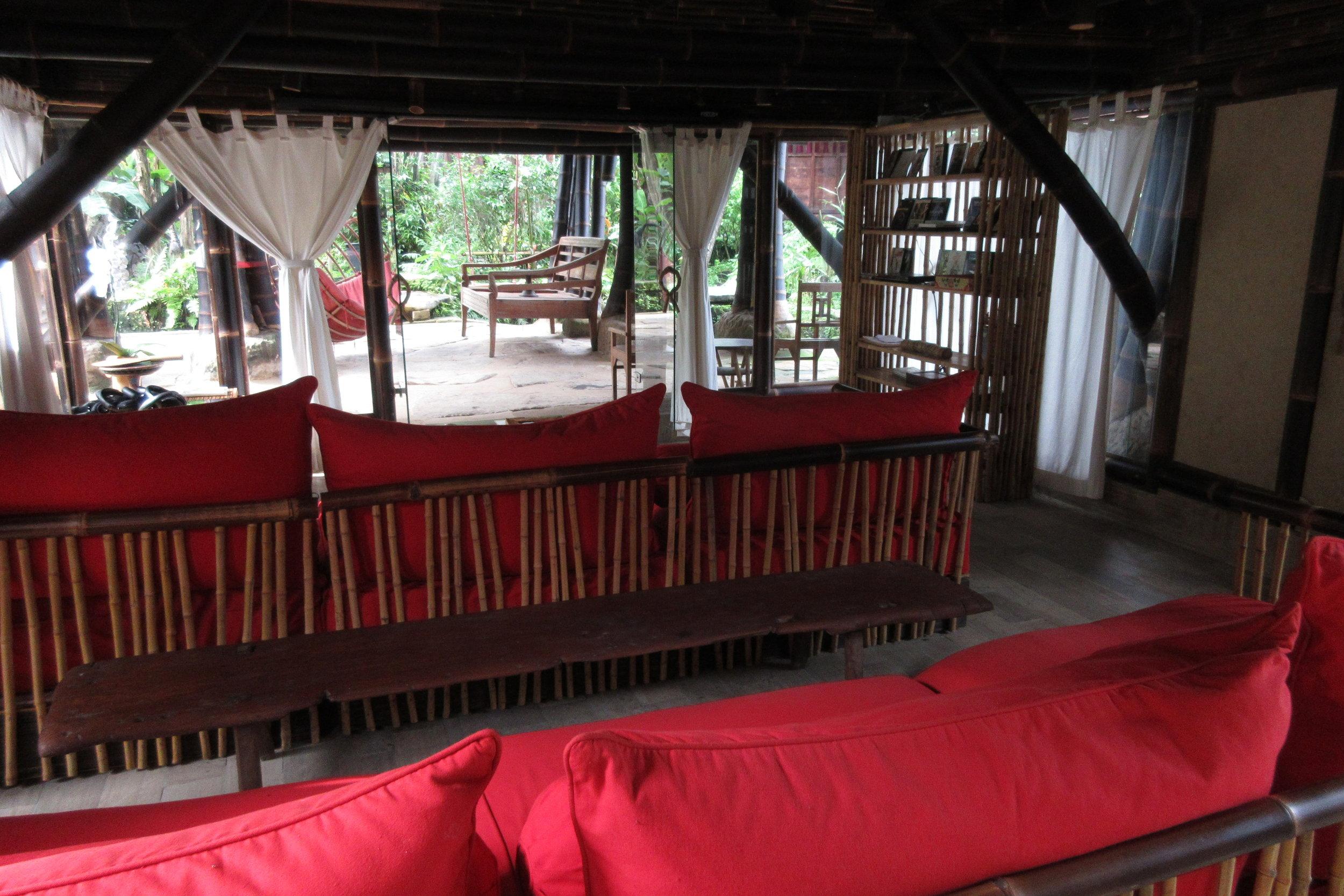 Bambu Indah Ubud – Home Cinema