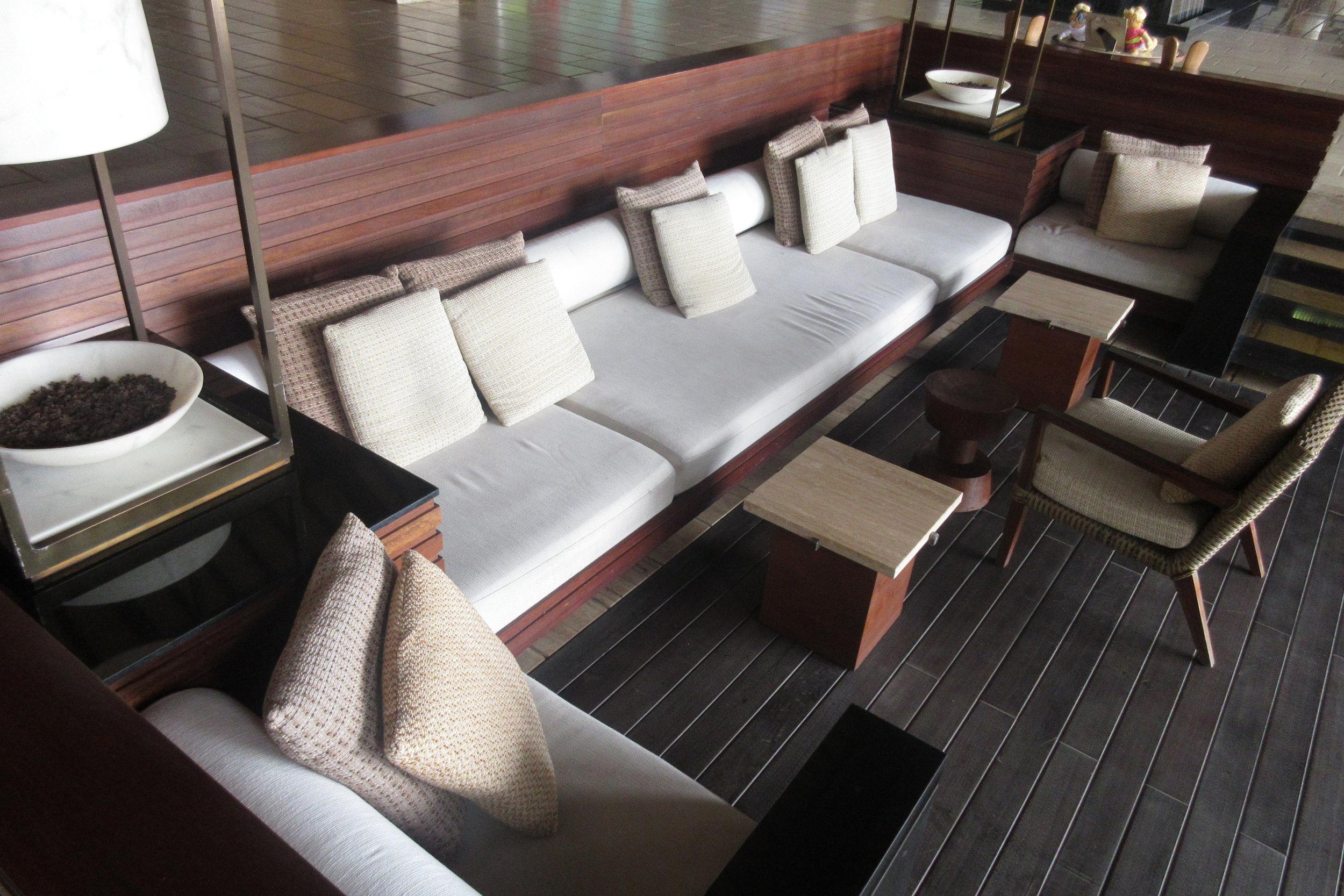 The Ritz-Carlton, Bali – Check-in couches