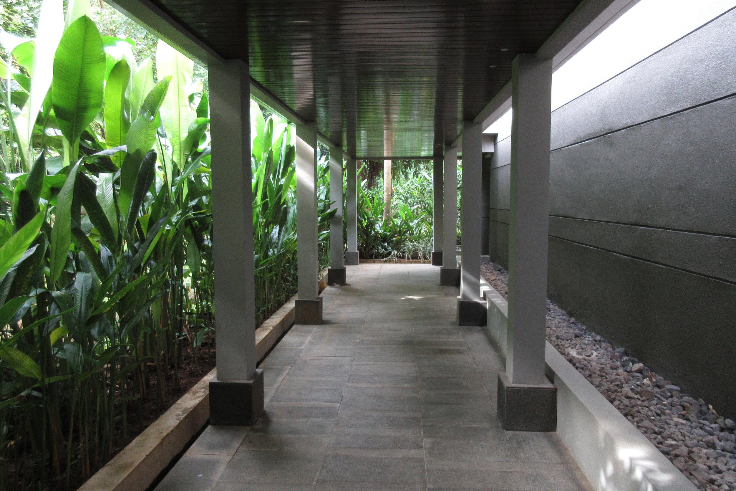The Ritz-Carlton, Bali – Guest Wing 2 walkway