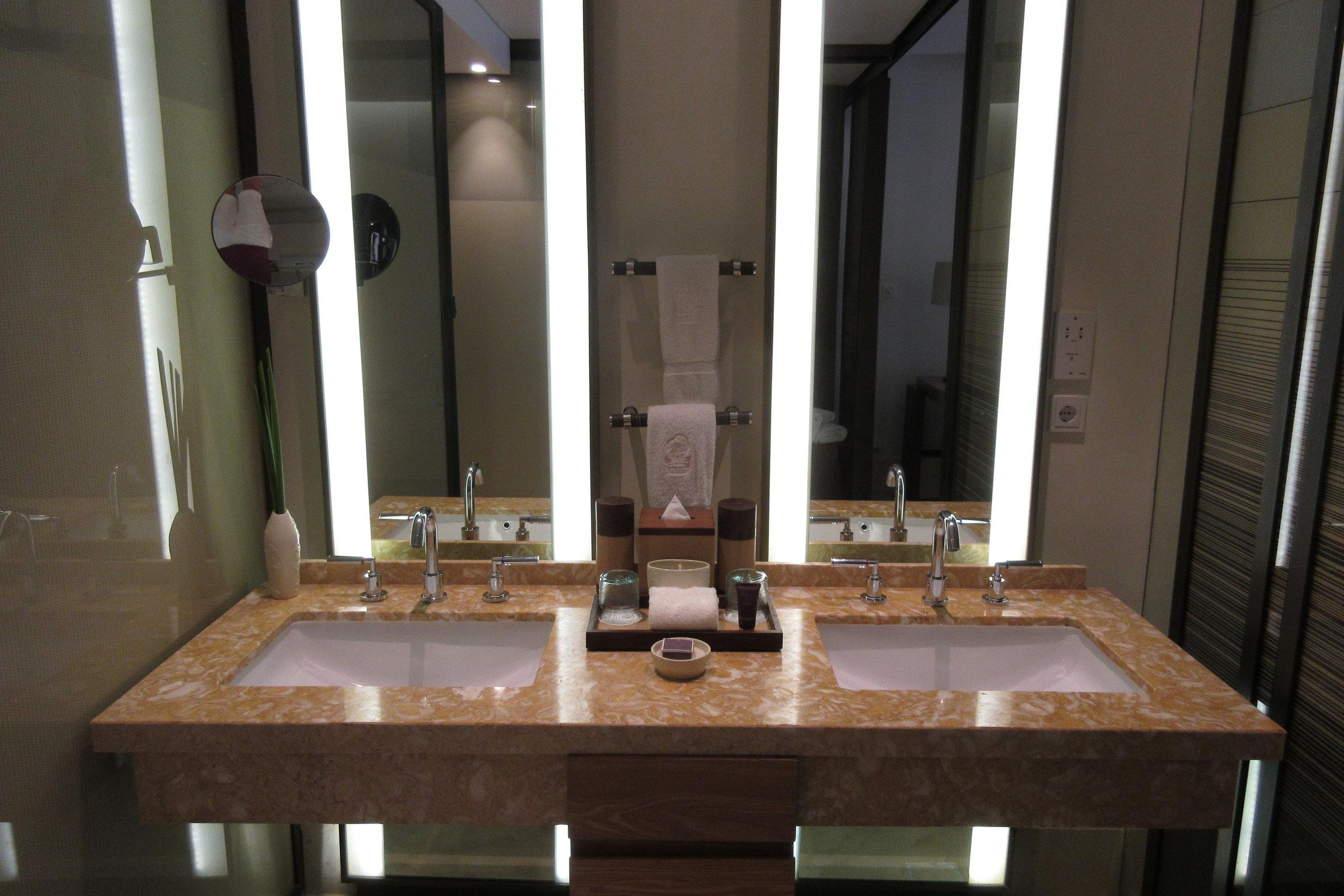 The Ritz-Carlton, Bali – Double sinks