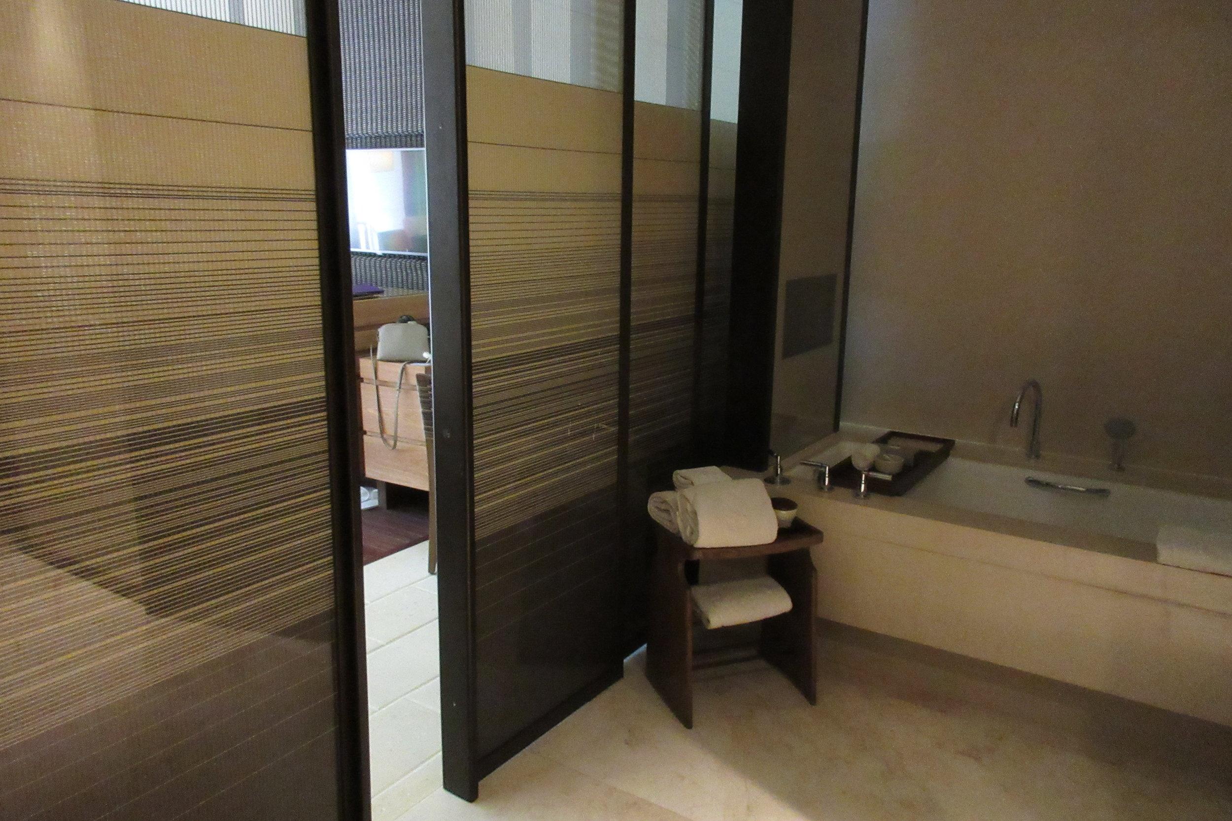 The Ritz-Carlton, Bali – Sliding doors
