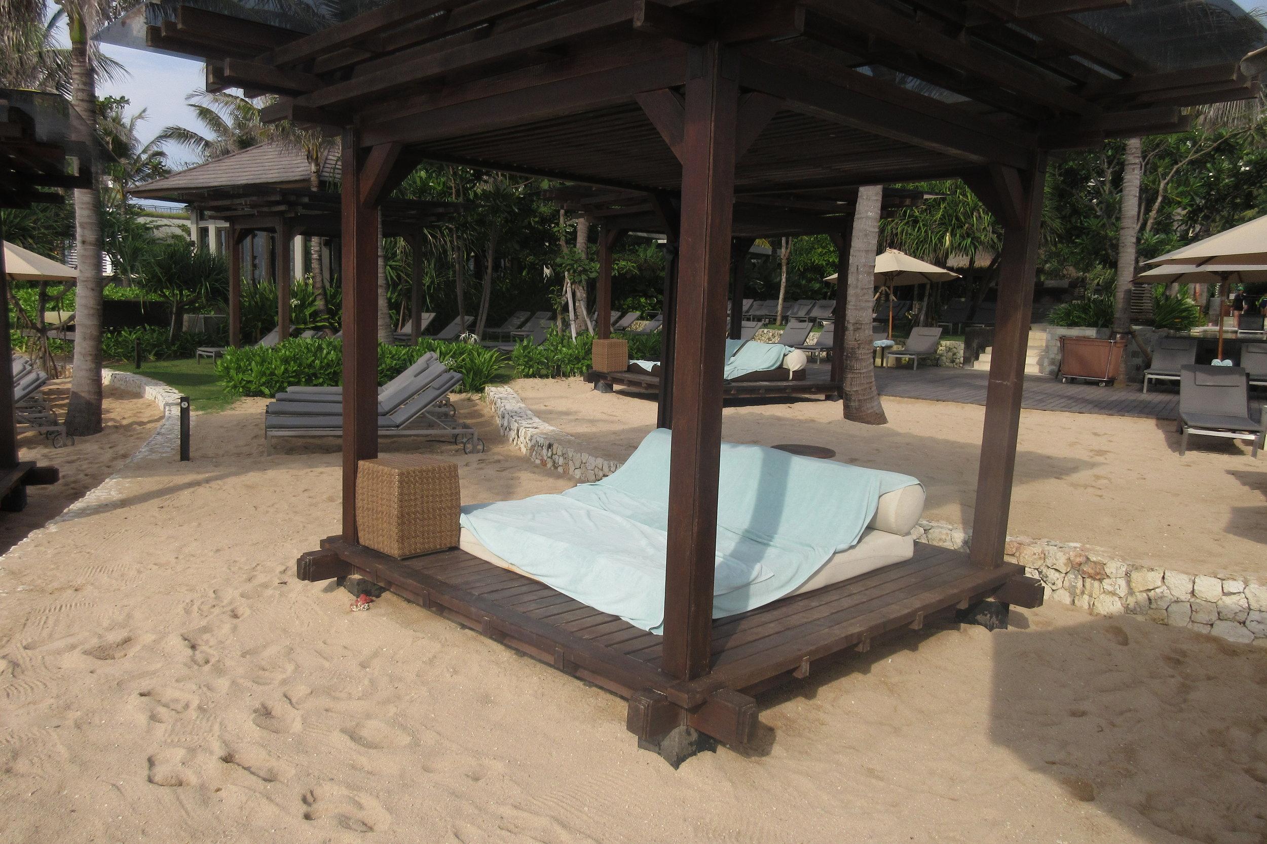 The Ritz-Carlton, Bali – Beach cabanas