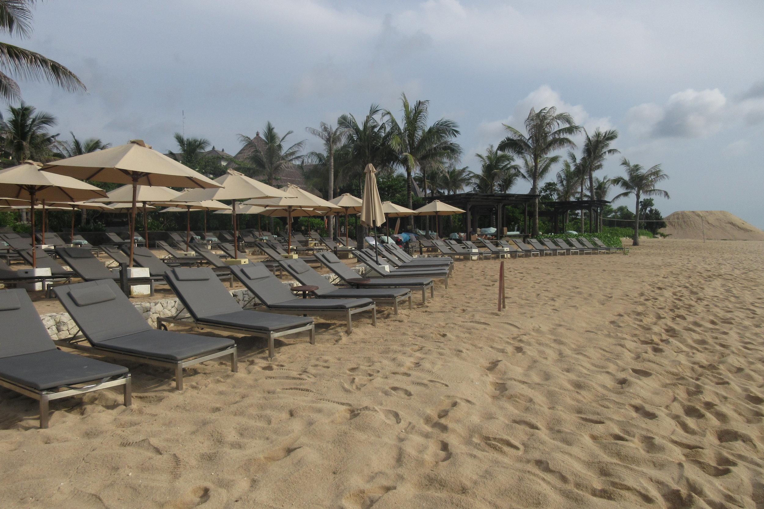 The Ritz-Carlton, Bali – Beach loungers