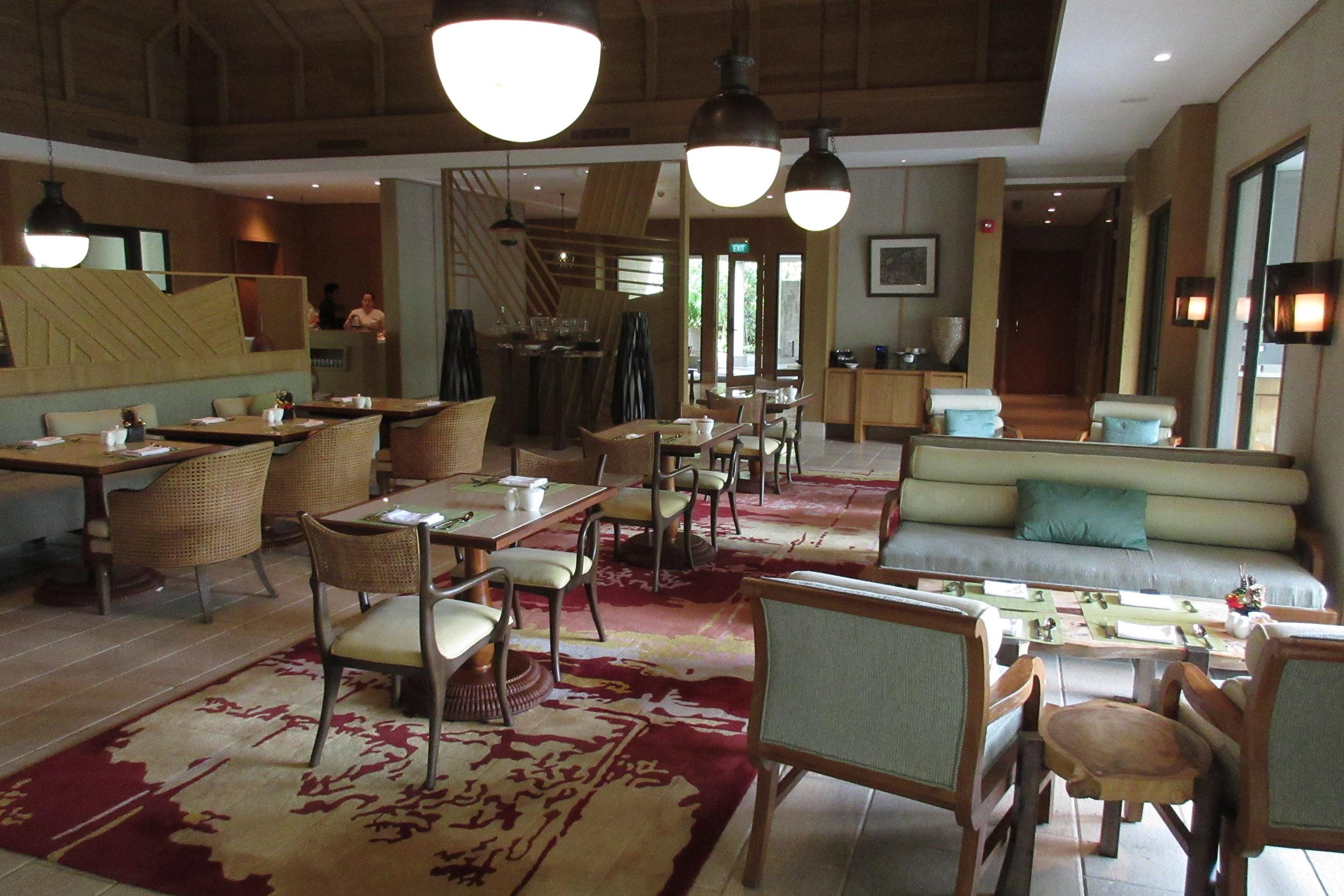 The Ritz-Carlton, Bali – Club dining area