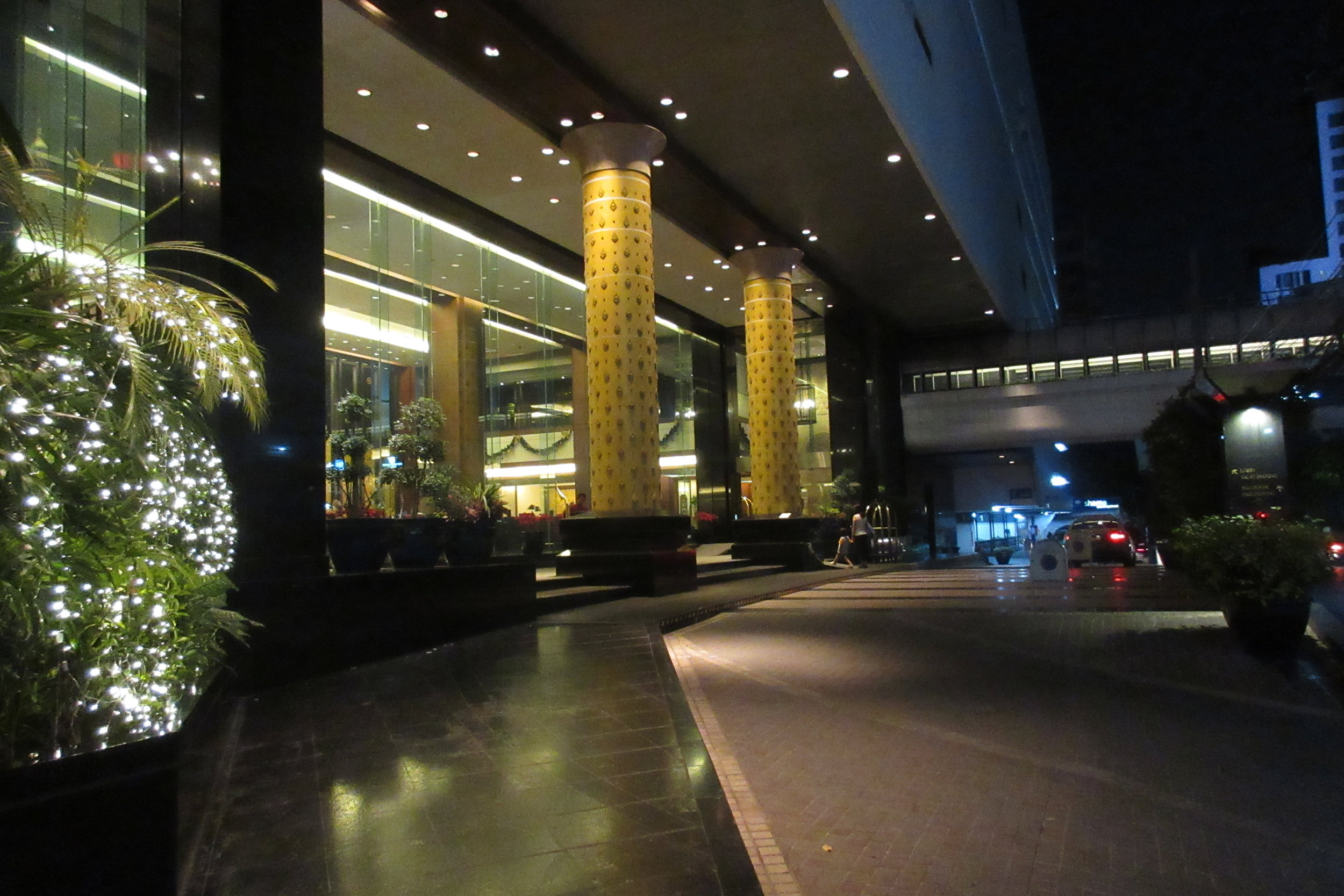 JW Marriott Bangkok – Entrance