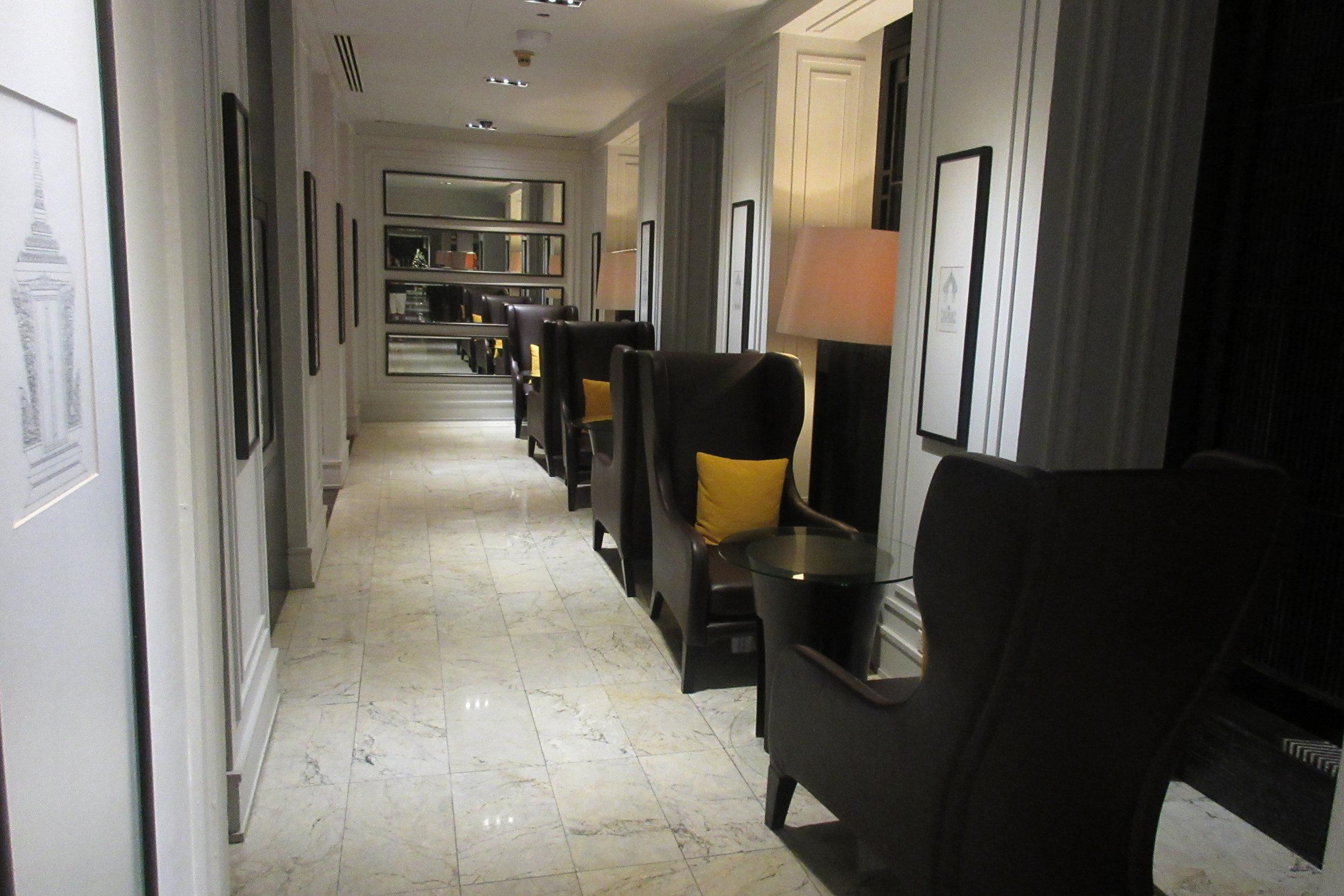 JW Marriott Bangkok – Club Lounge hallway