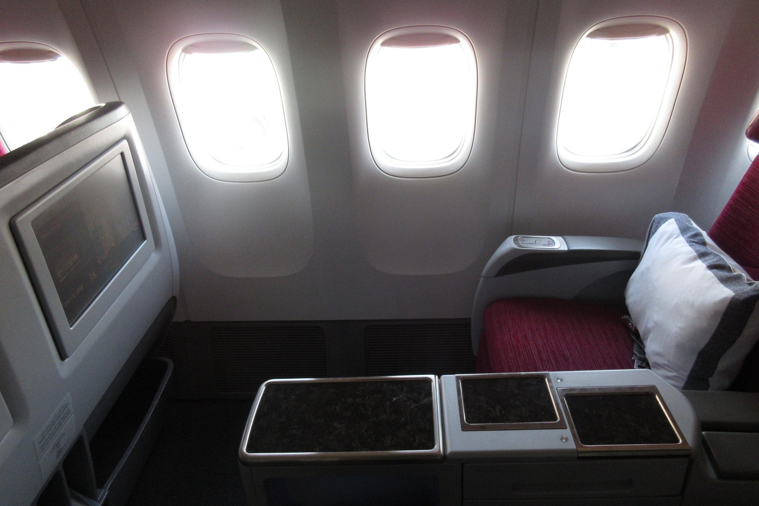 Qatar Airways 777 business class – Seat 3K