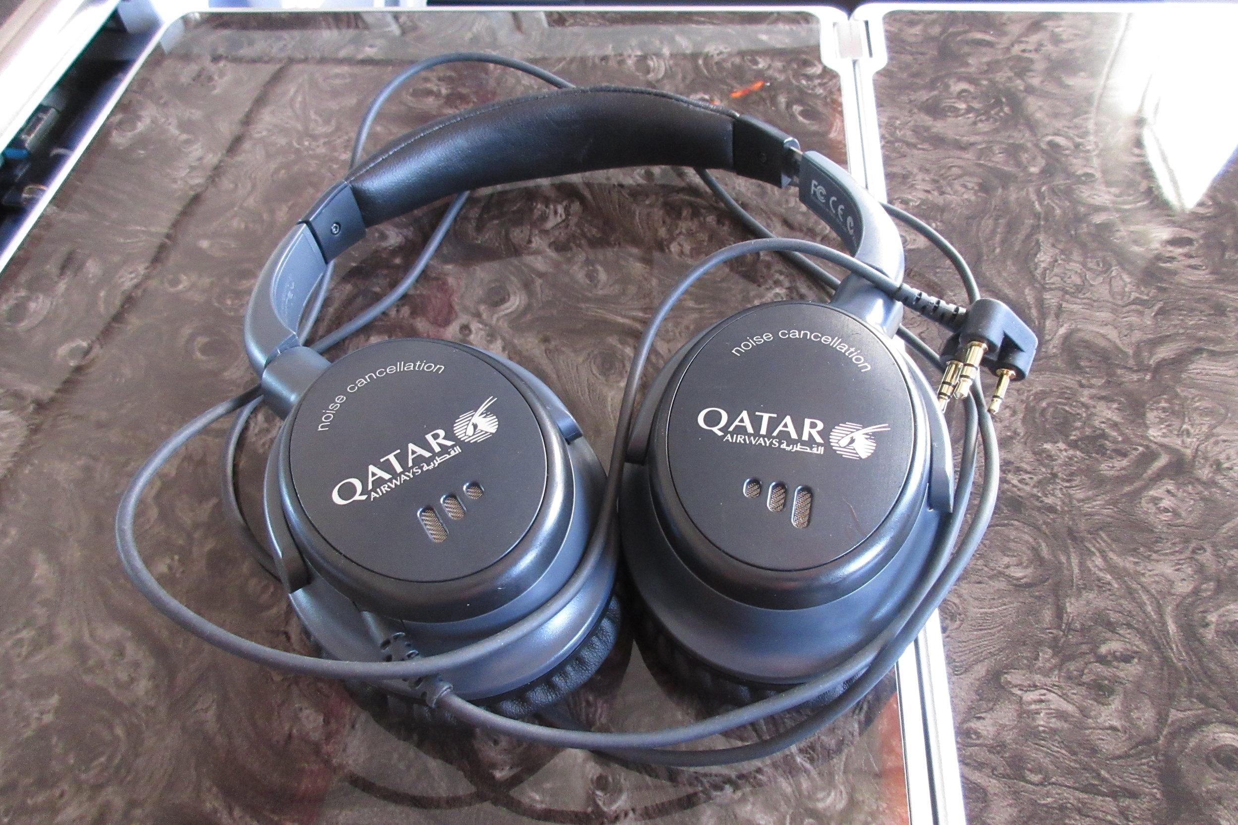 Qatar Airways 777 business class – Headphones