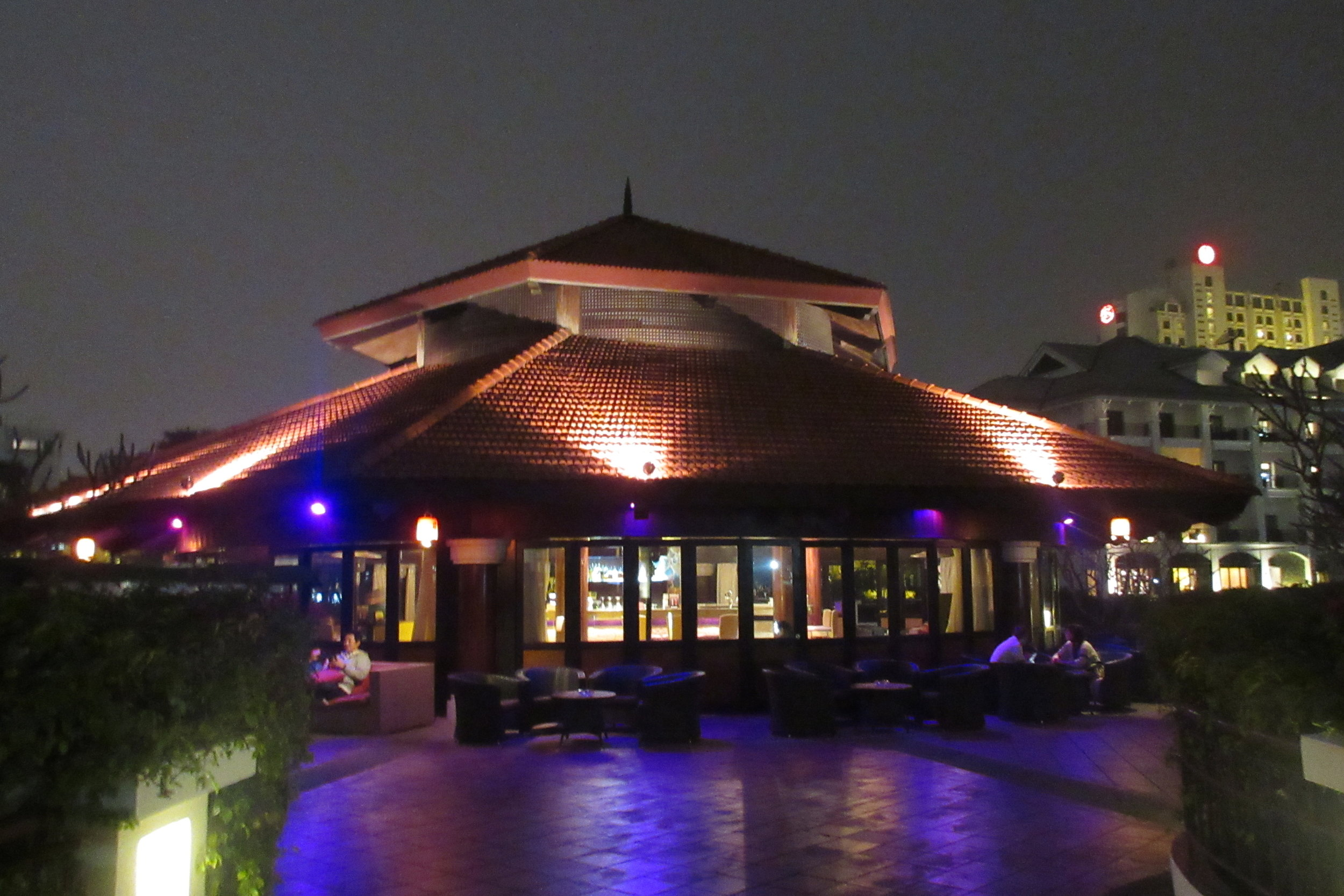InterContinental Hanoi Westlake – Sunset Bar