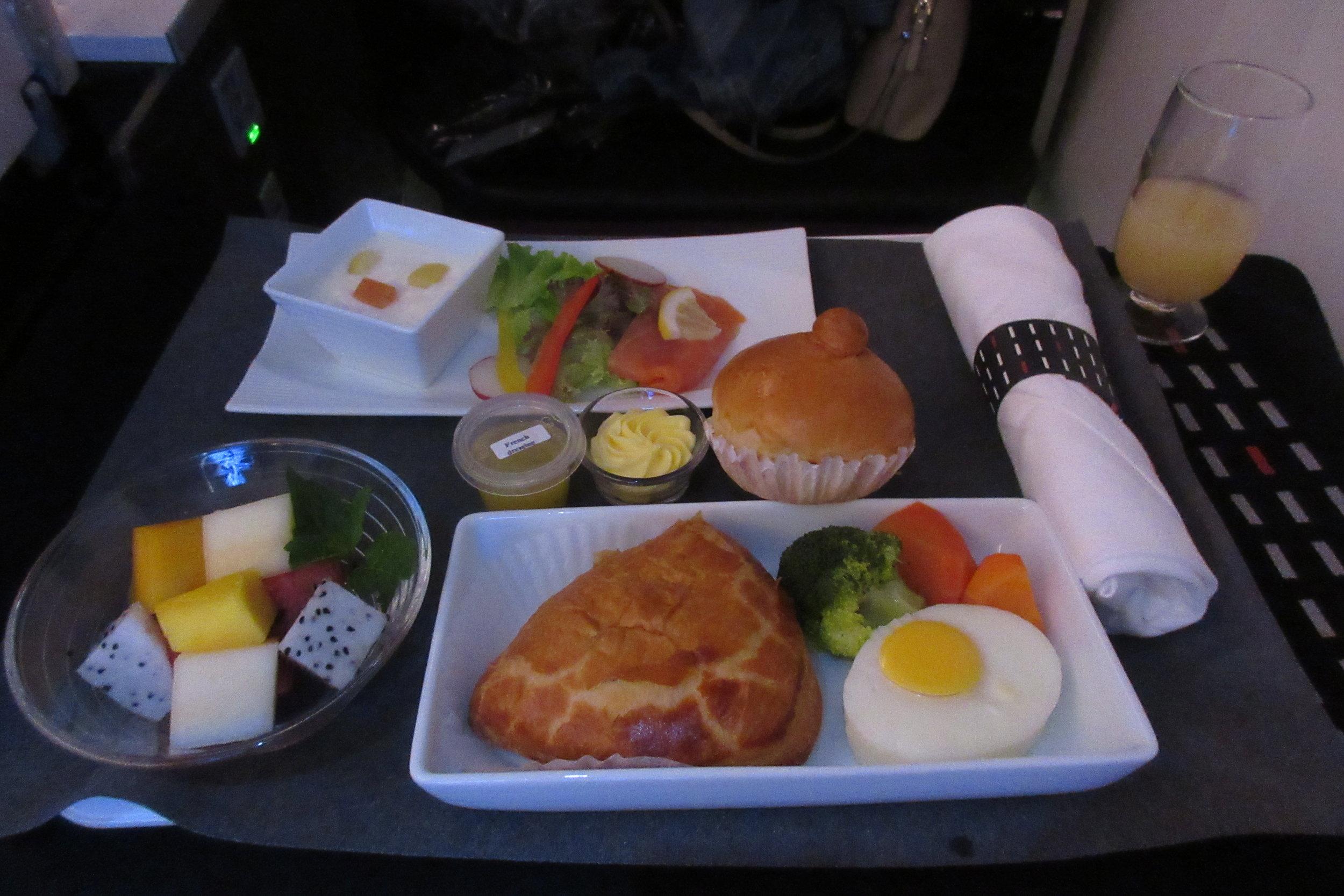 Japan Airlines business class – Western breakfast