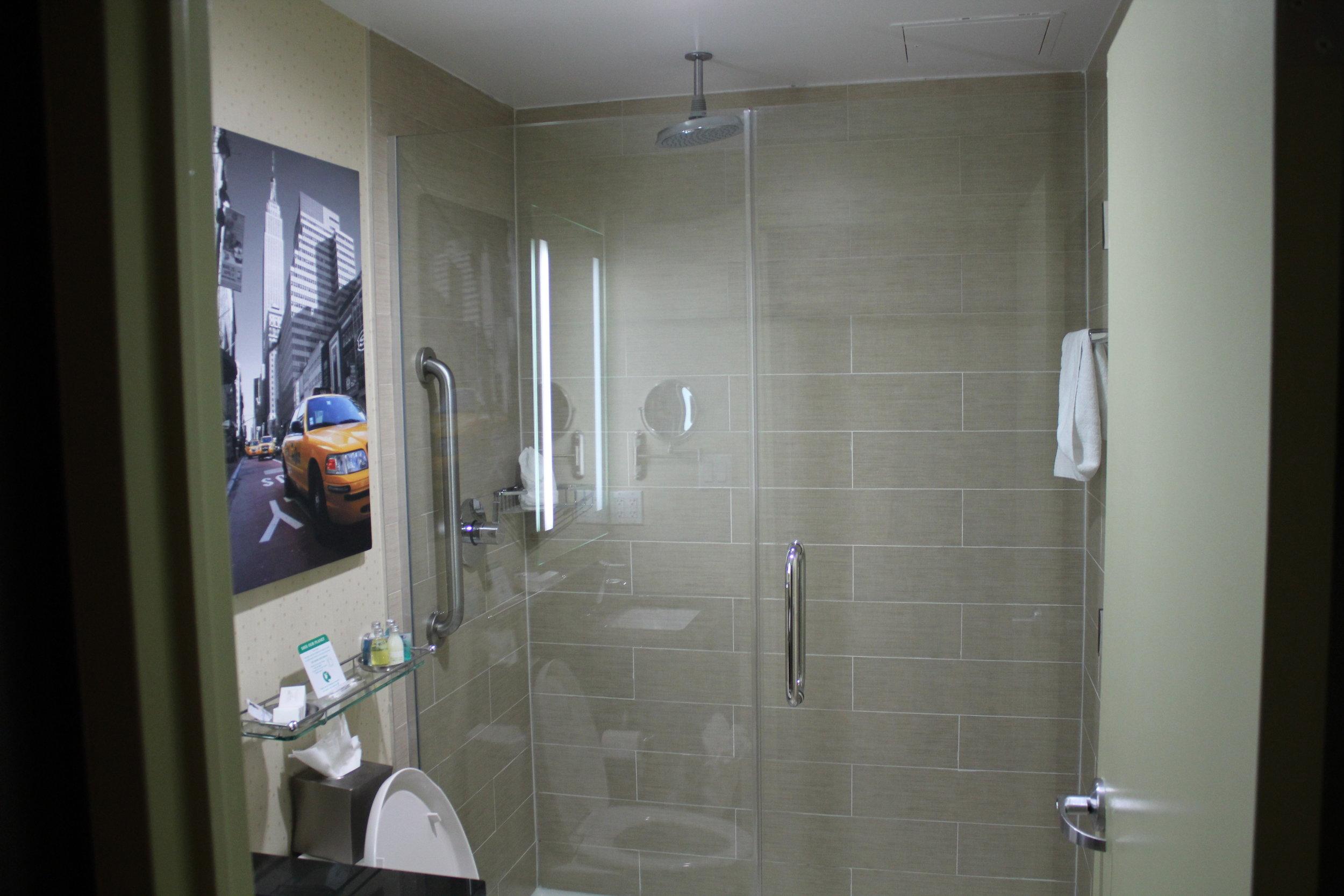 Best Western Premier New York Herald Square – Bathroom