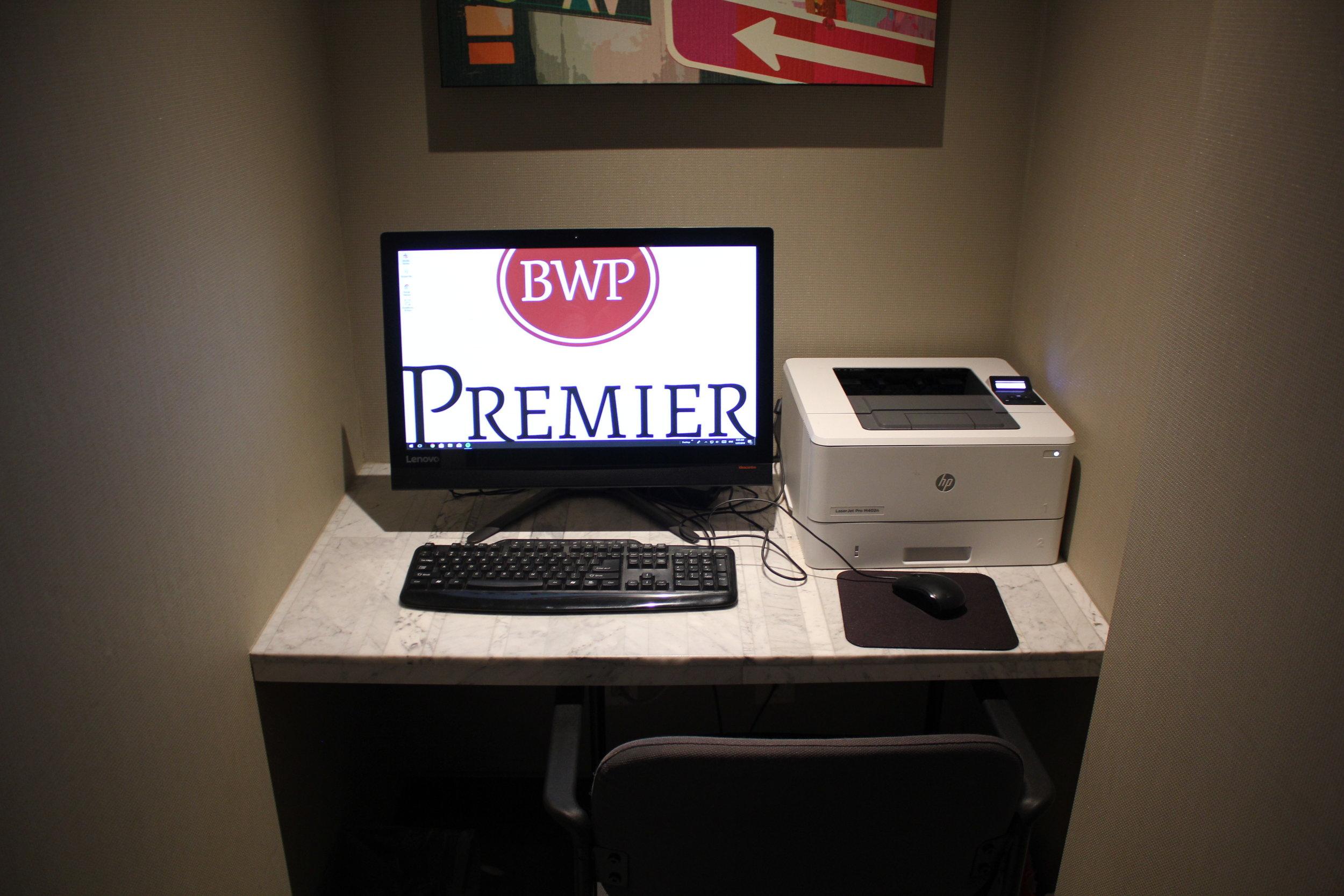 Best Western Premier New York Herald Square – Computer workstation