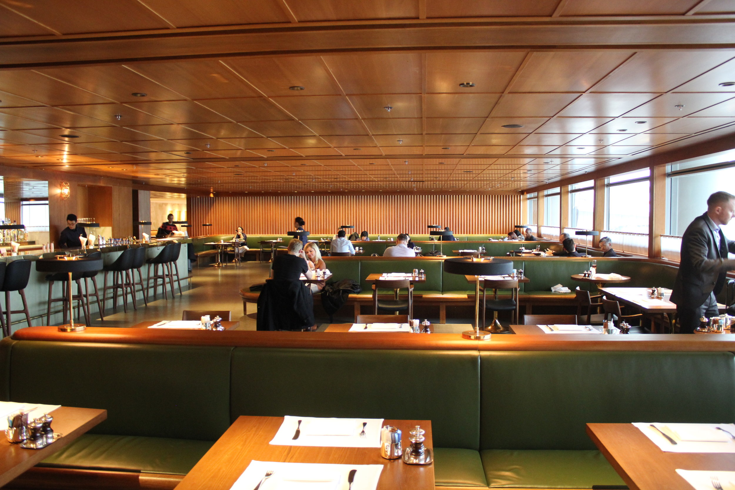 The Pier First Class Lounge by Cathay Pacific – The Dining Room