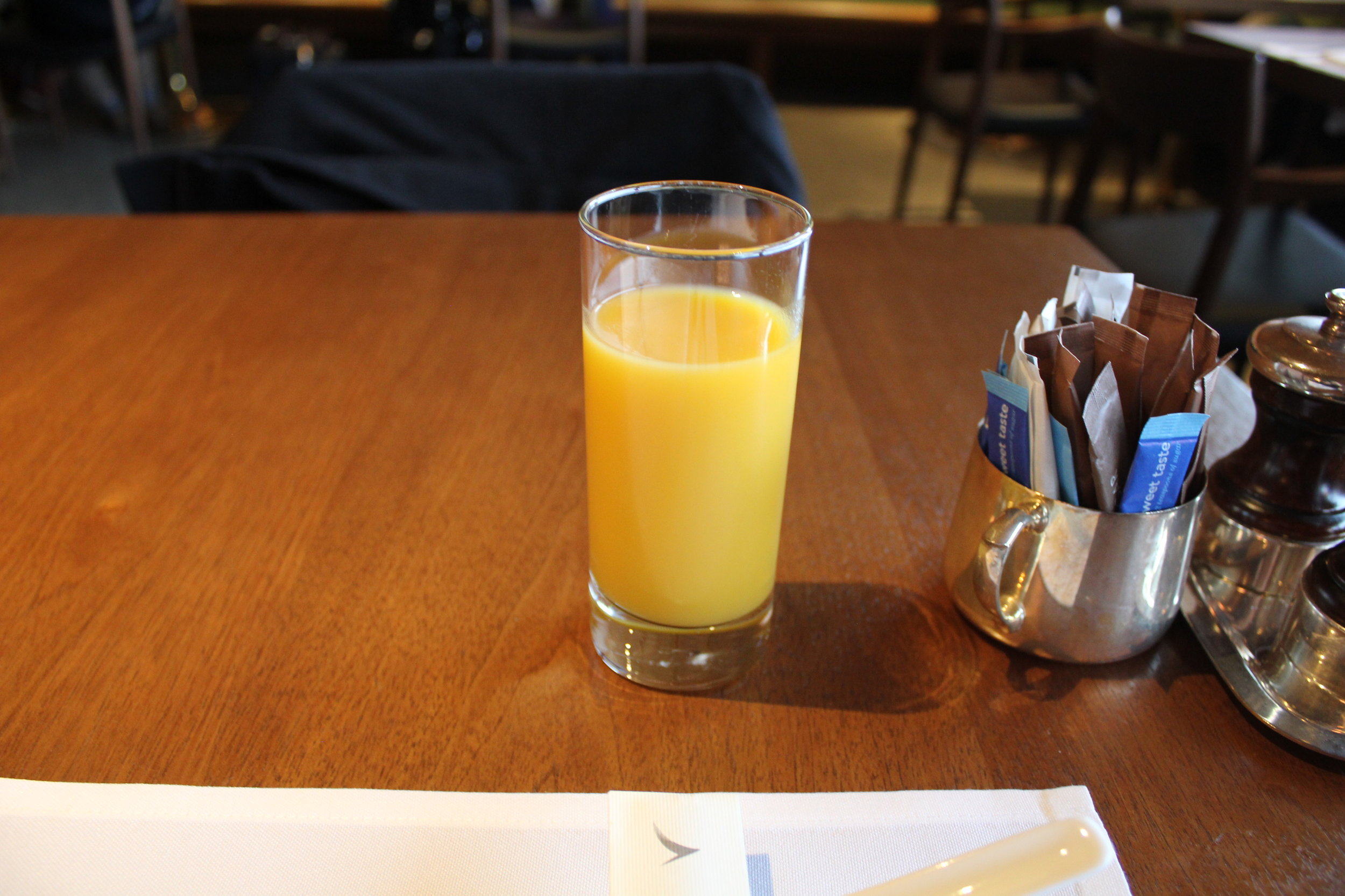 The Pier First Class Lounge by Cathay Pacific – Mango juice