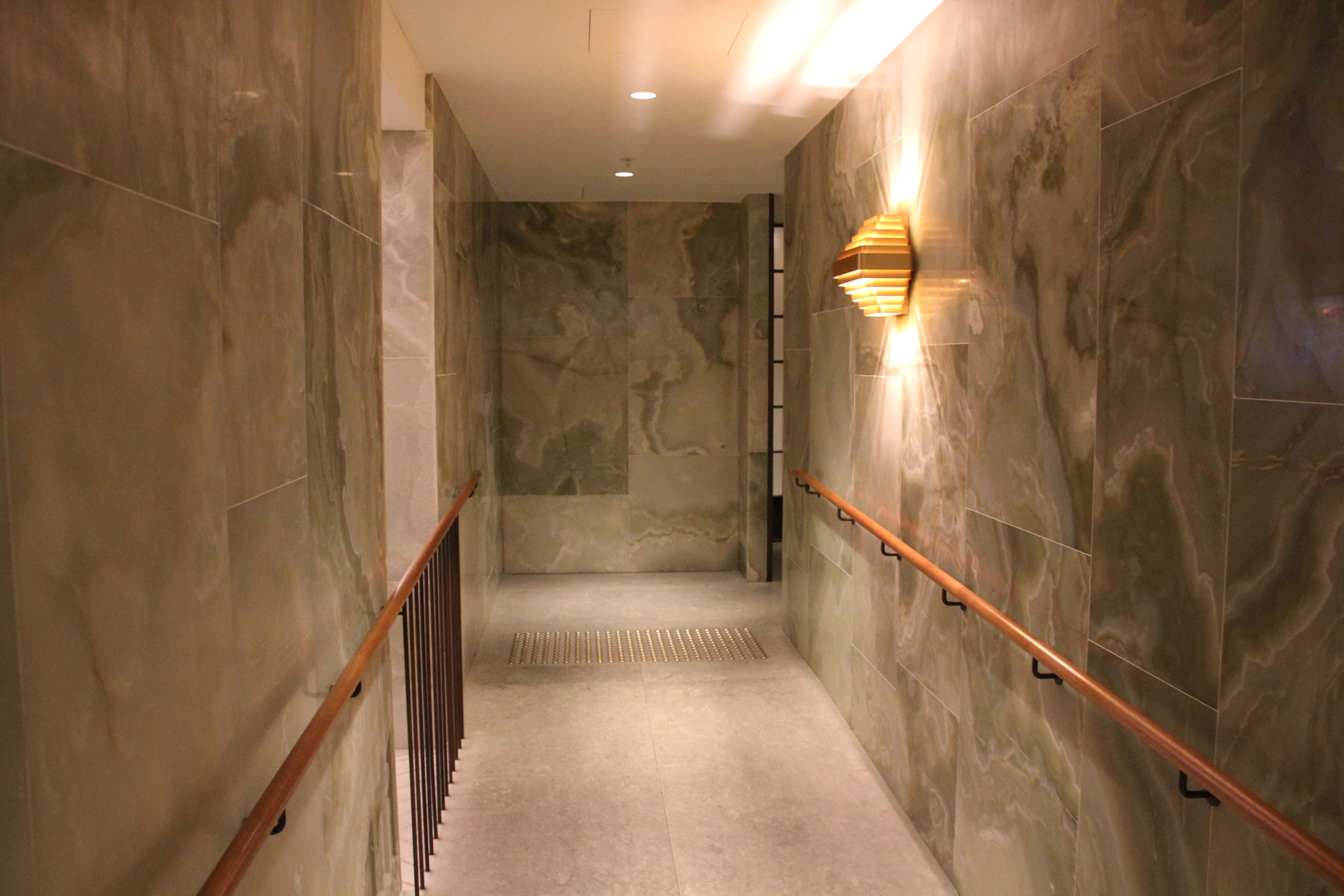 The Pier First Class Lounge by Cathay Pacific – Corridor to restrooms