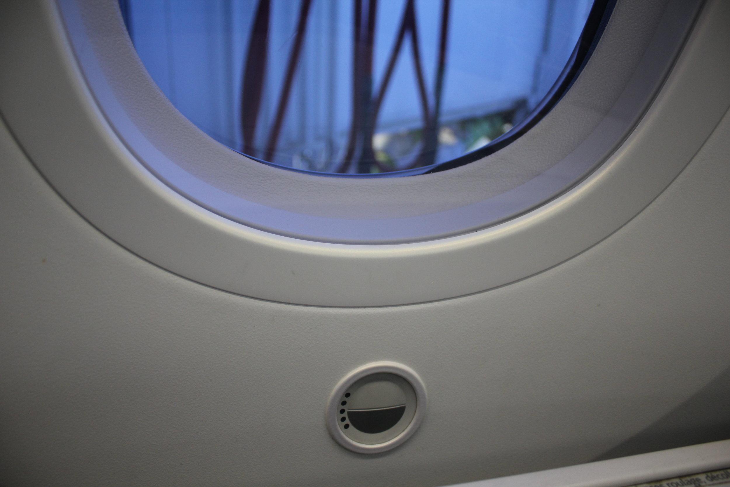 Air Canada business class – Window switch