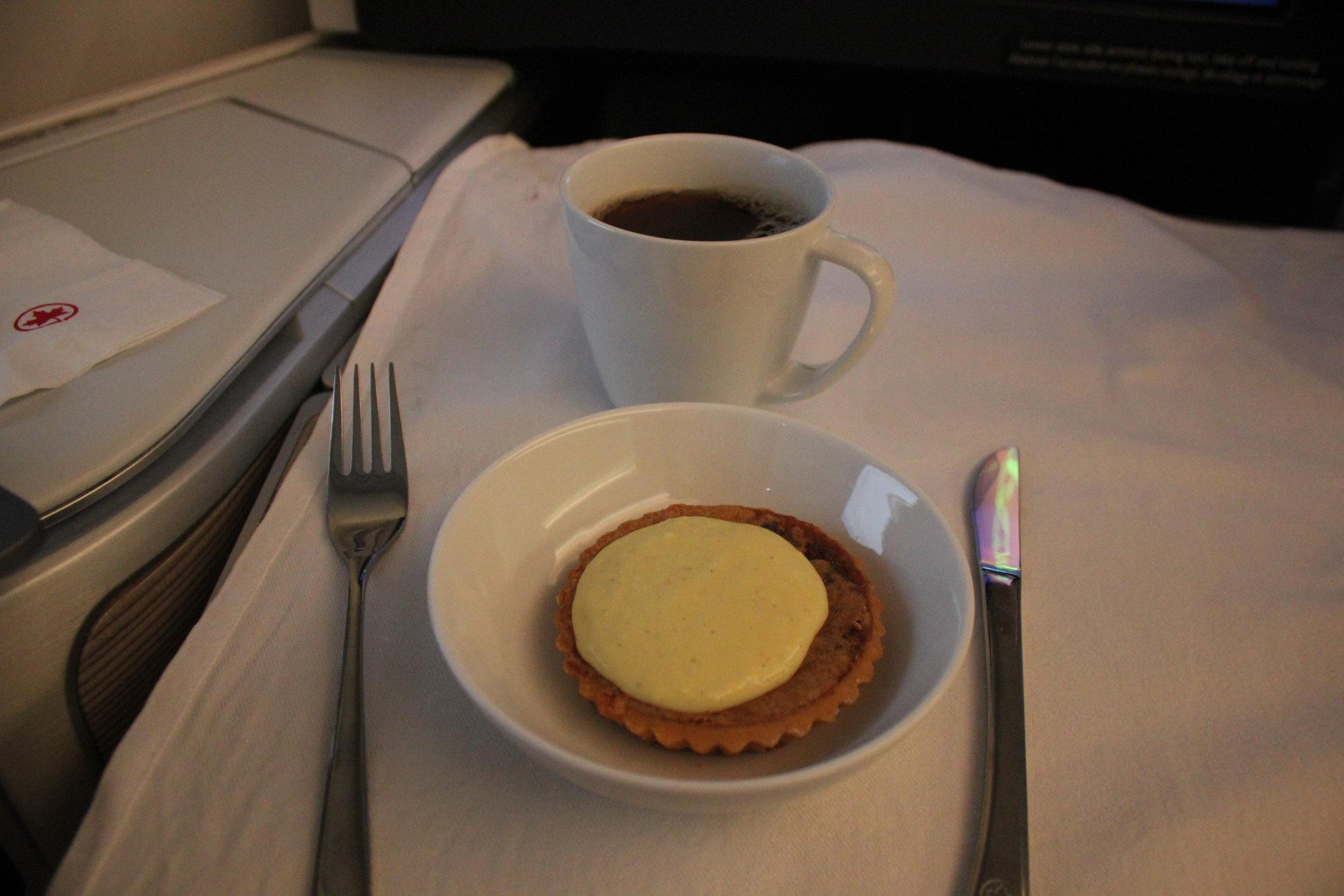 Air Canada business class – Brown sugar tart with vanilla custard